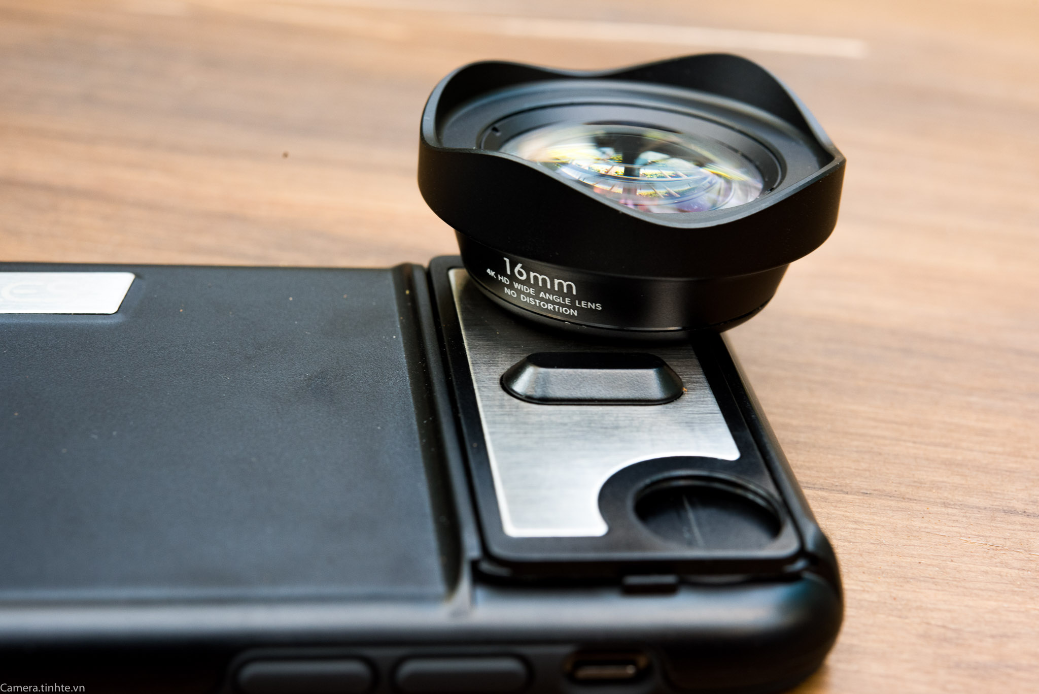 Tren tay ong kinh P-Hole lens iPhone X - Camera.tinhte.vn-12.jpg