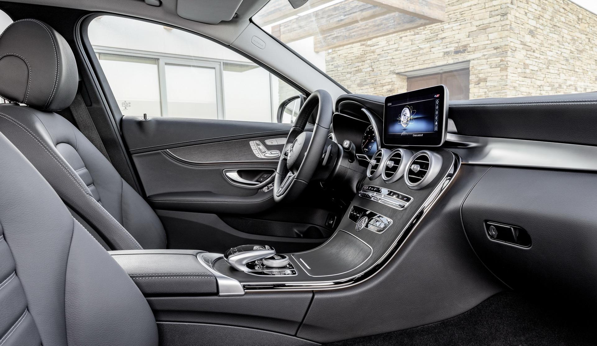 2019-Merceedes-Benz-C-Class-Facelift-10.jpg