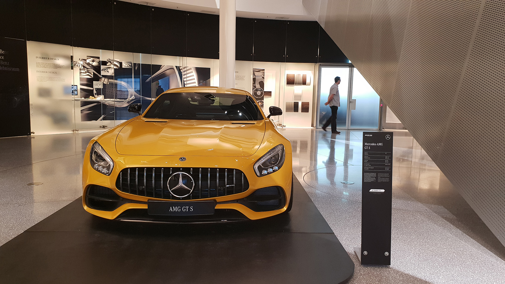 S9-Mercedes-Benz Museum-tinhte-42.jpg