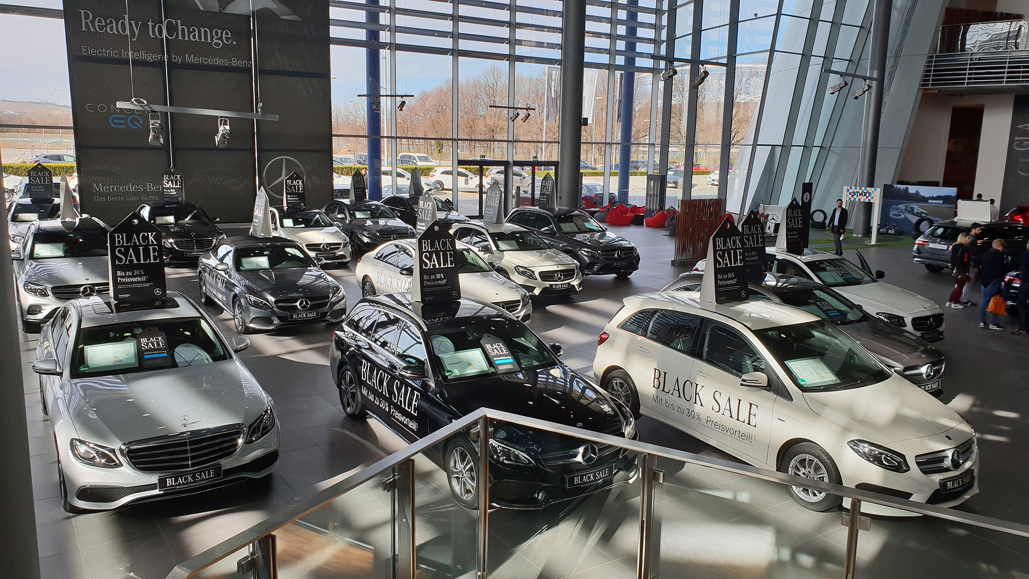 S9-Mercedes-Benz Museum-tinhte-46.jpg