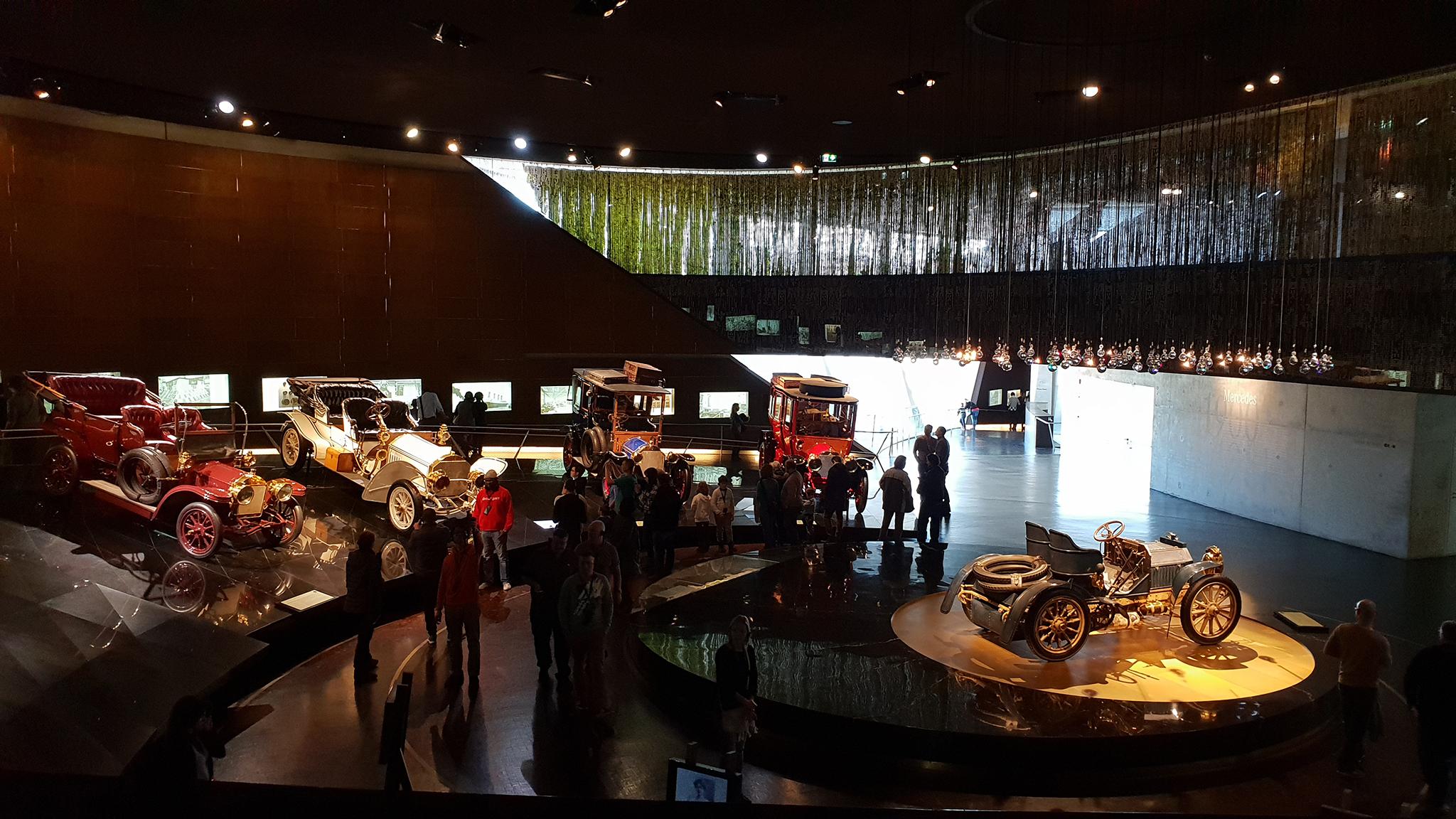 S9-Mercedes-Benz Museum-tinhte-53.jpg