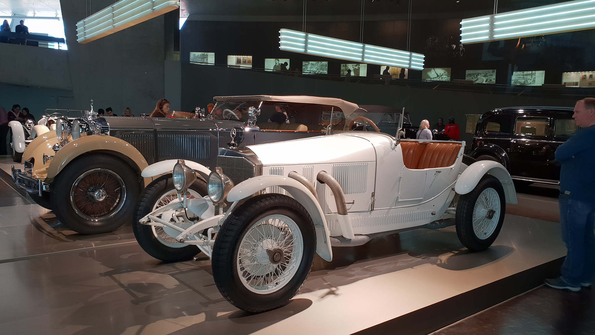S9-Mercedes-Benz Museum-tinhte-72.jpg