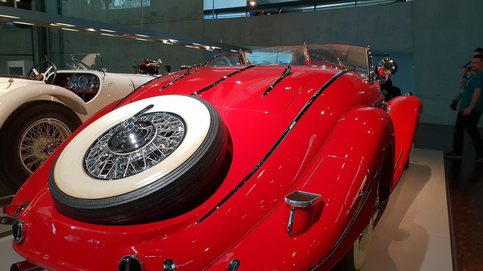 S9-Mercedes-Benz Museum-tinhte-75.jpg