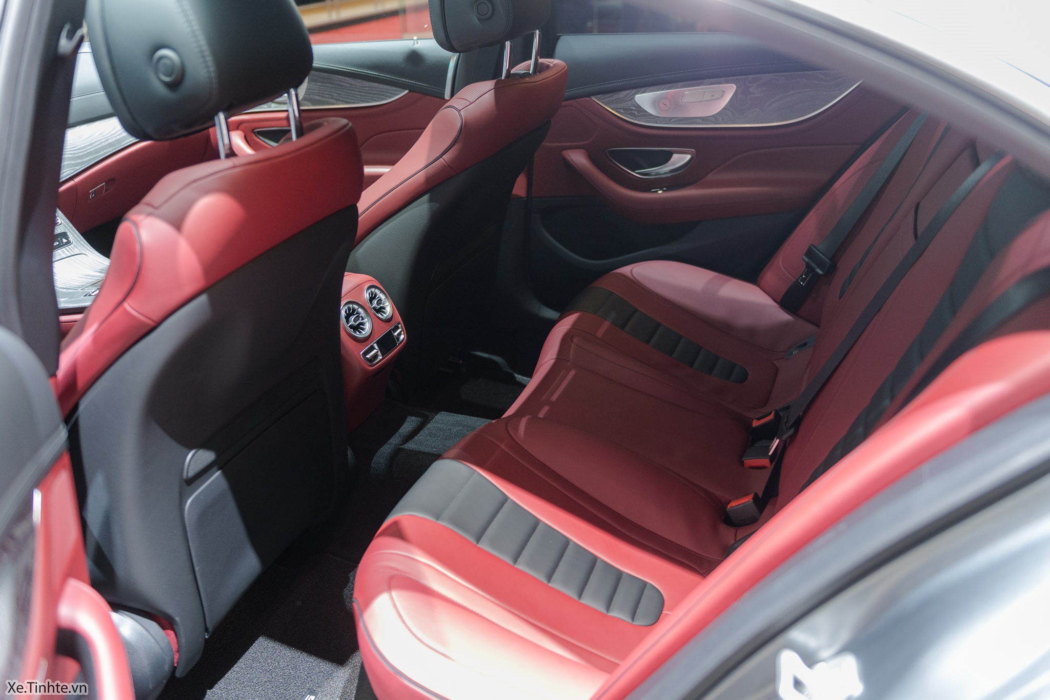 Mercedes_CLS_450_4MATIC_Coupe_Xe_Tinhte-010.jpg