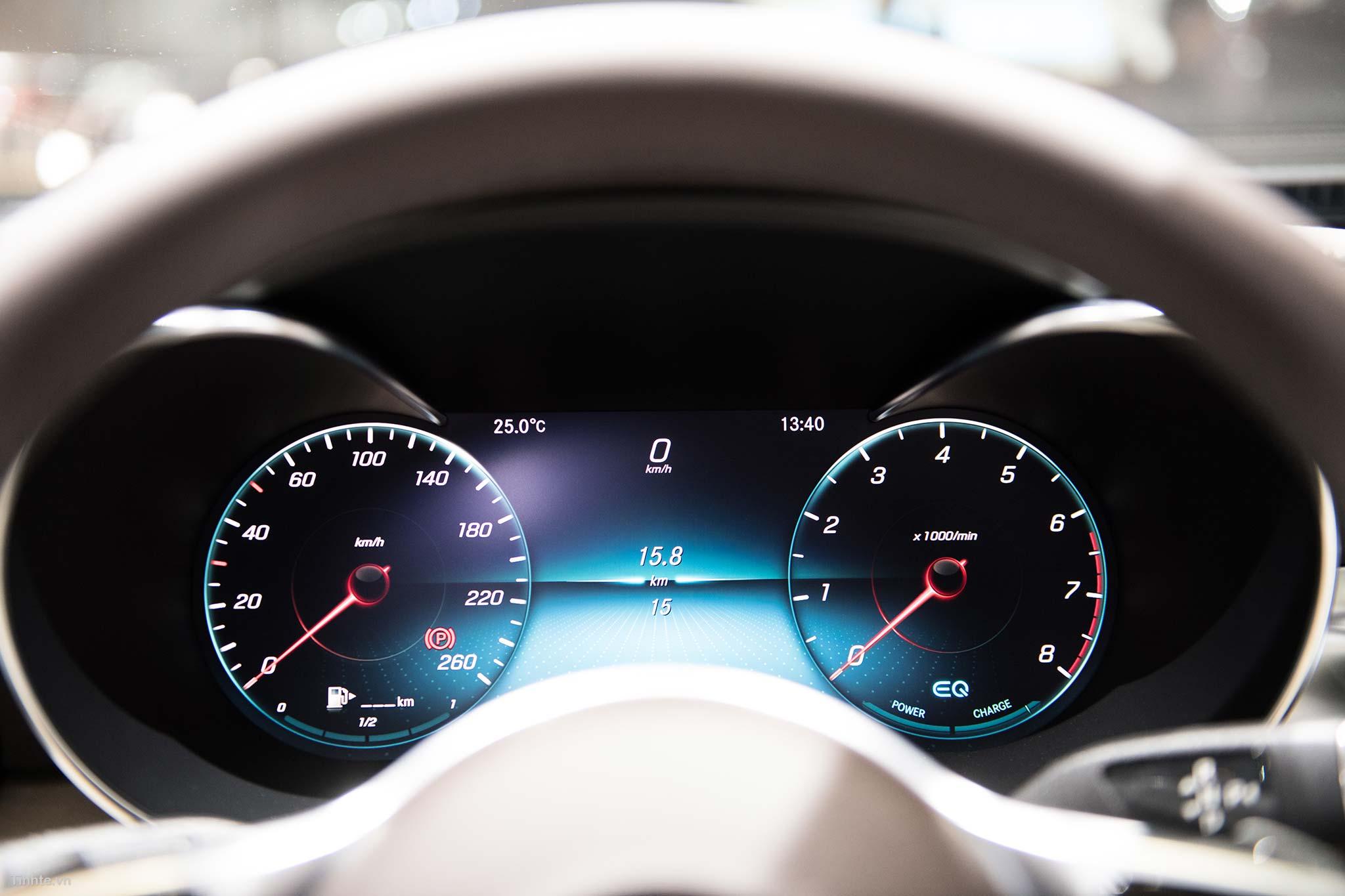 tinhte_Mercedes-Benz-C-200-4MATIC-28.jpg