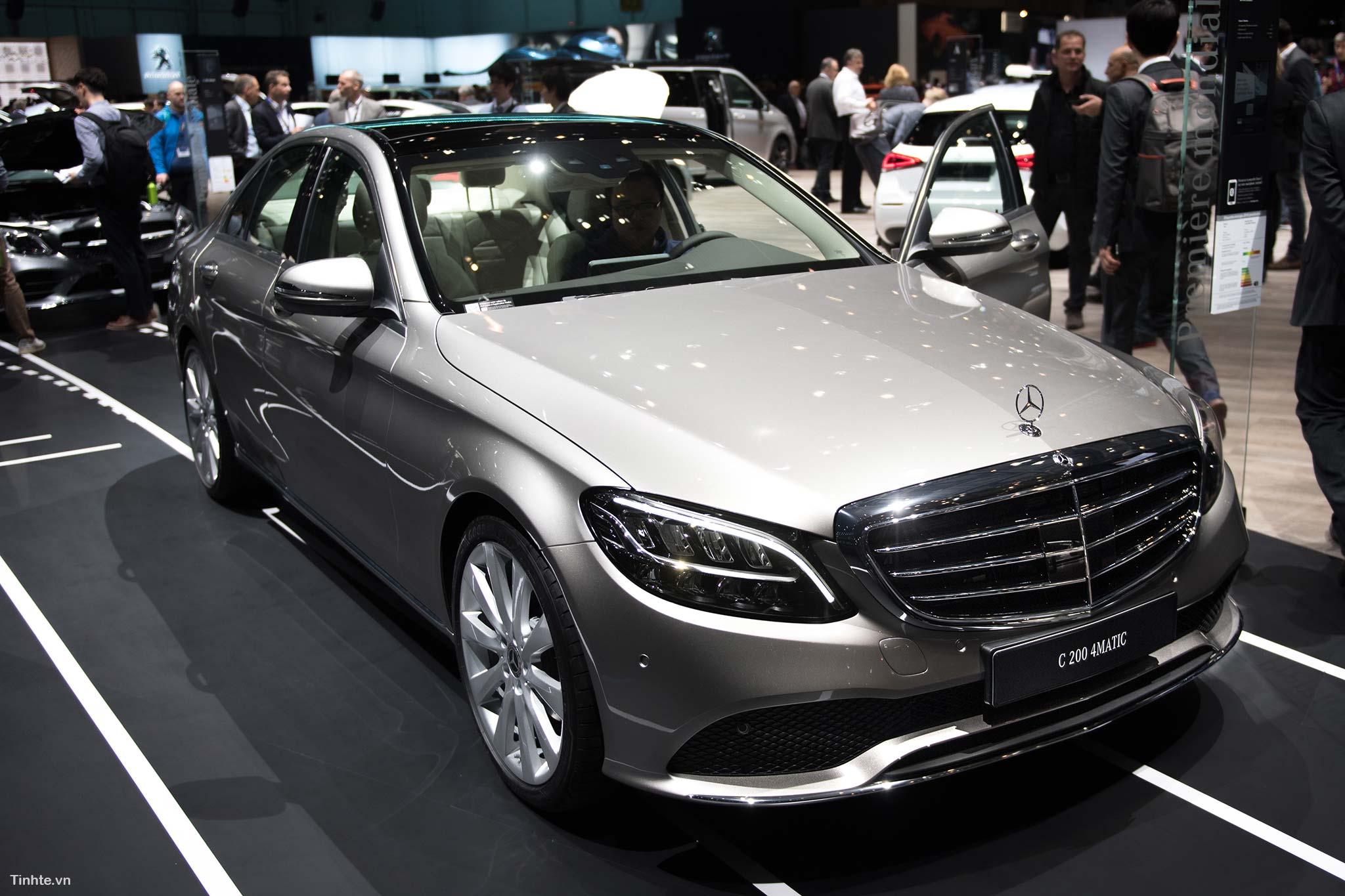 tinhte_Mercedes-Benz-C-200-4MATIC-6.jpg