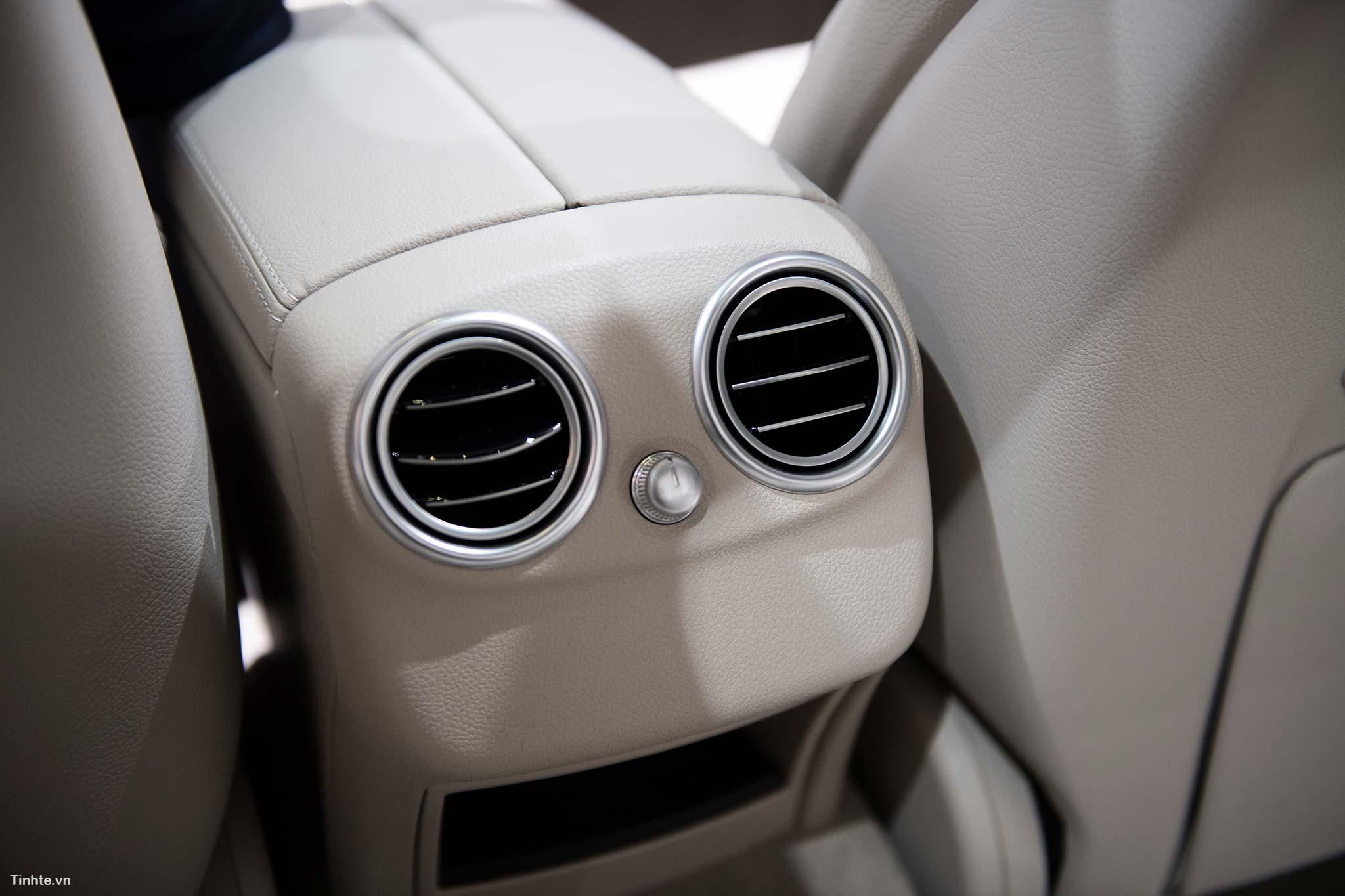 tinhte_Mercedes-Benz-C-200-4MATIC-16.jpg