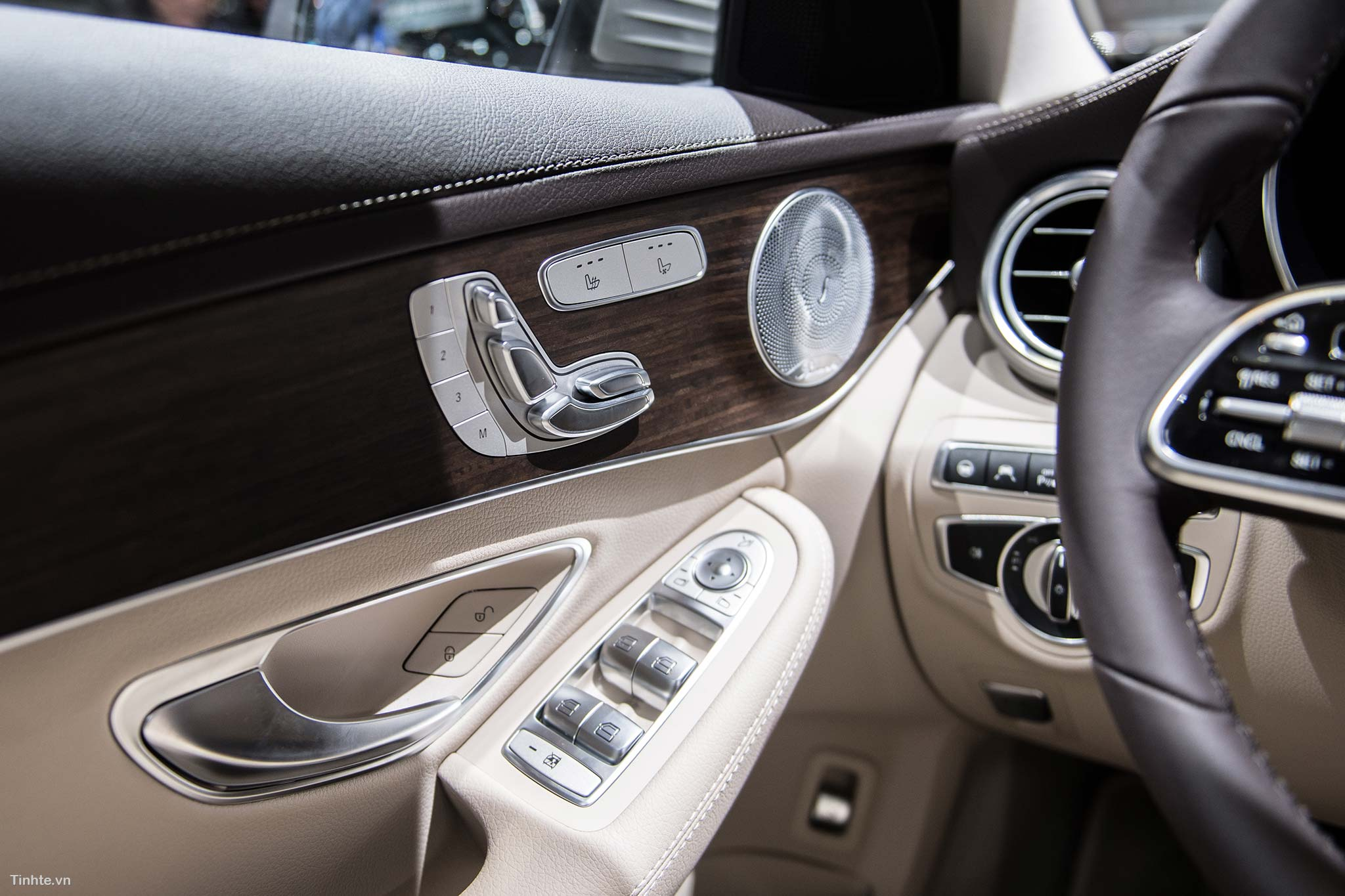 tinhte_Mercedes-Benz-C-200-4MATIC-34.jpg