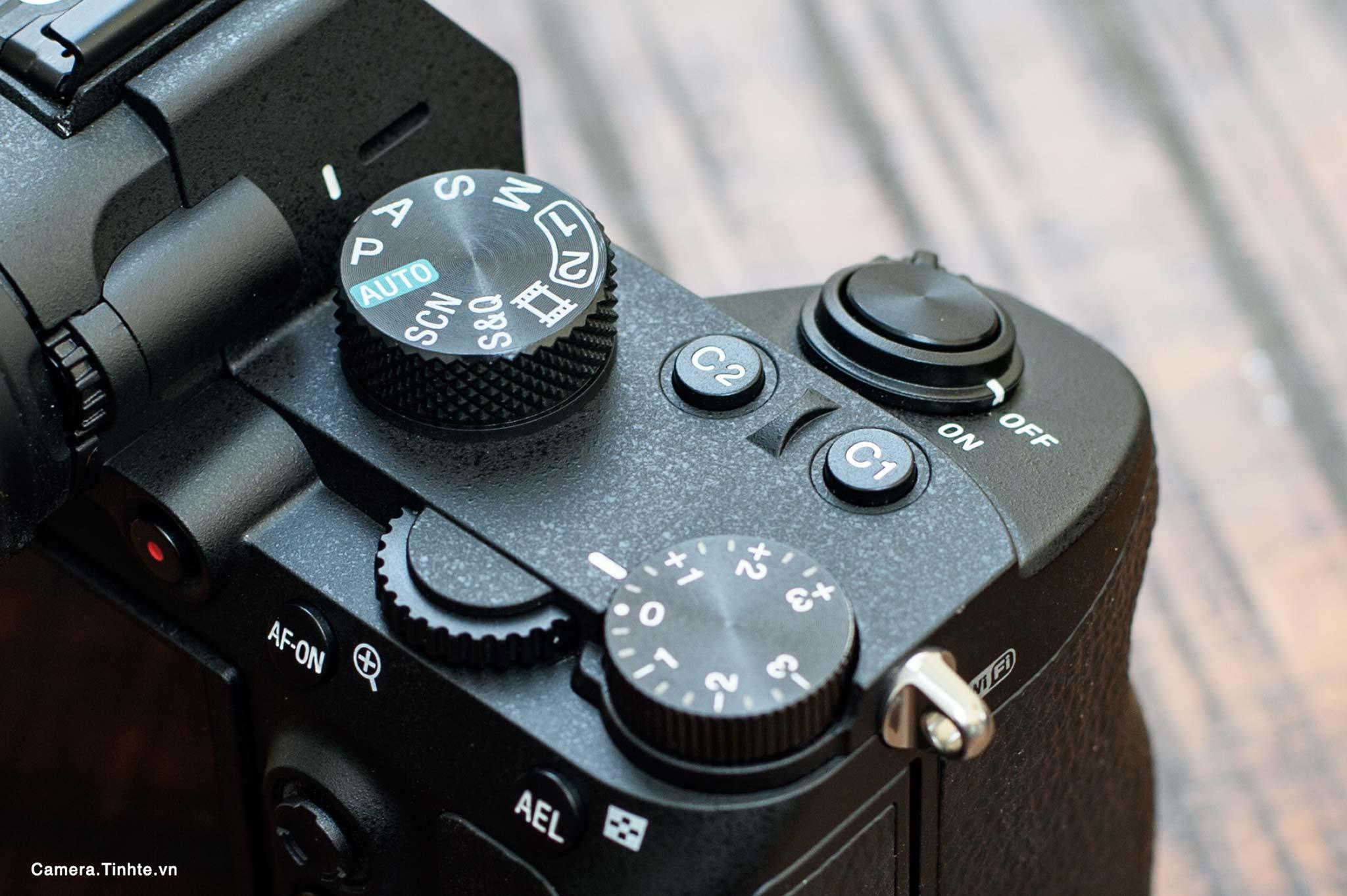 Camera.Tinhte.vn_Sony-A7-III_NON_9641.jpg