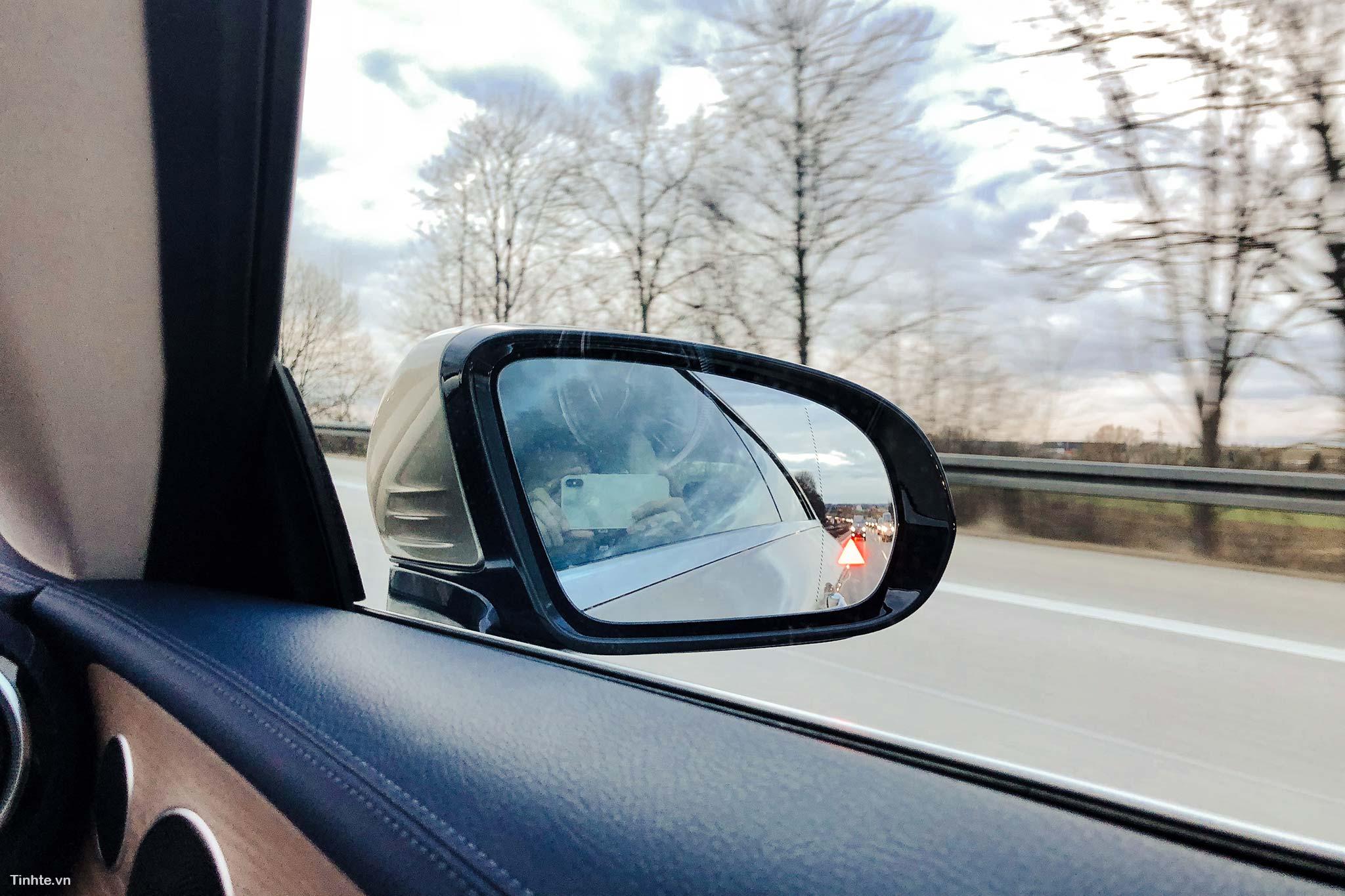 tinhte-Mercedes-Benz-E-300-Coupe-27.jpg