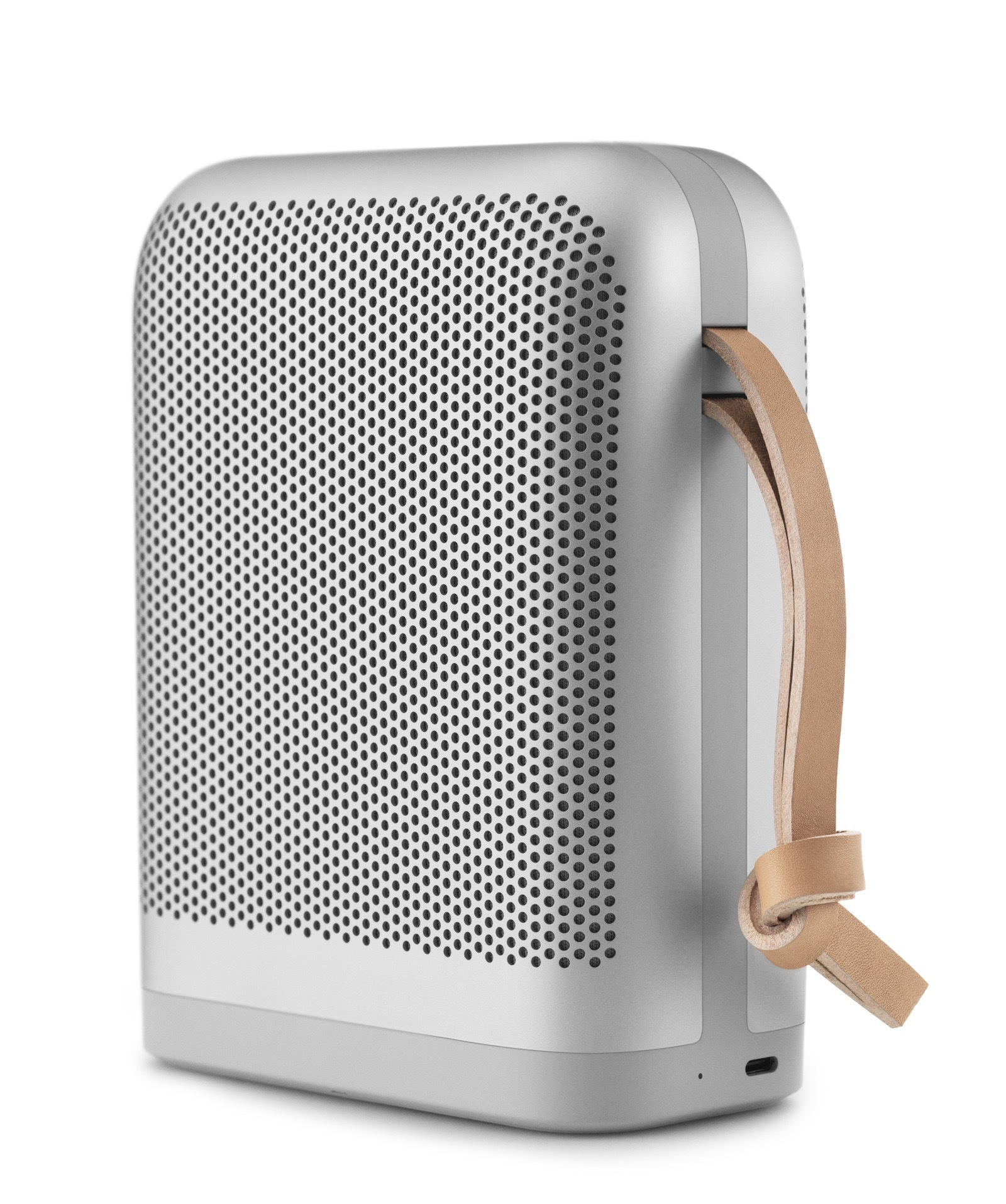 beoplay-p6-natural-26622324737-o-1.jpg
