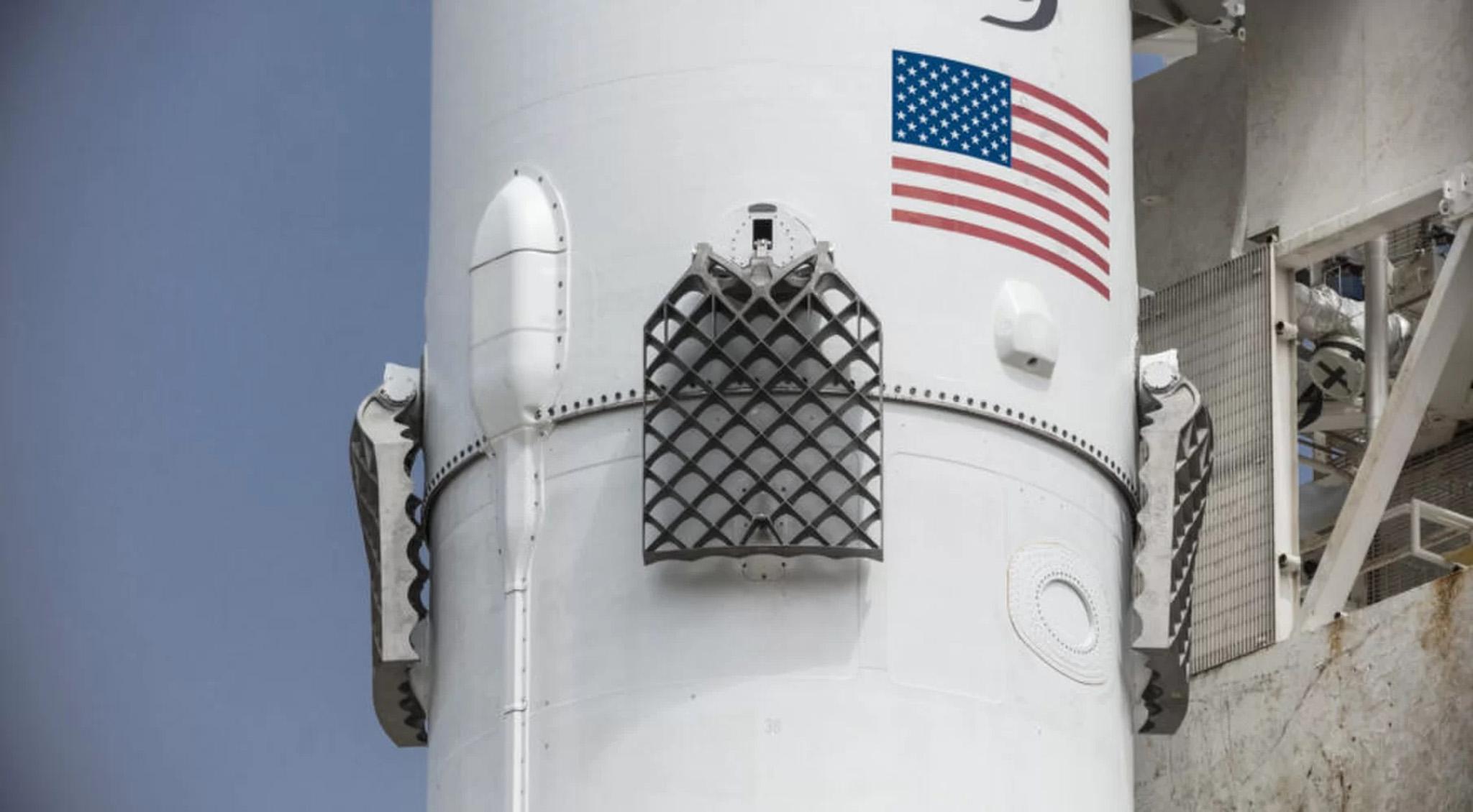 Falcon 9 Block 5 3.jpg