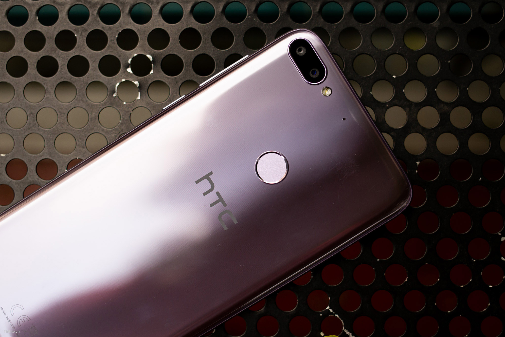 Tinhte.vn_HTC_Desire_12+-10.jpg