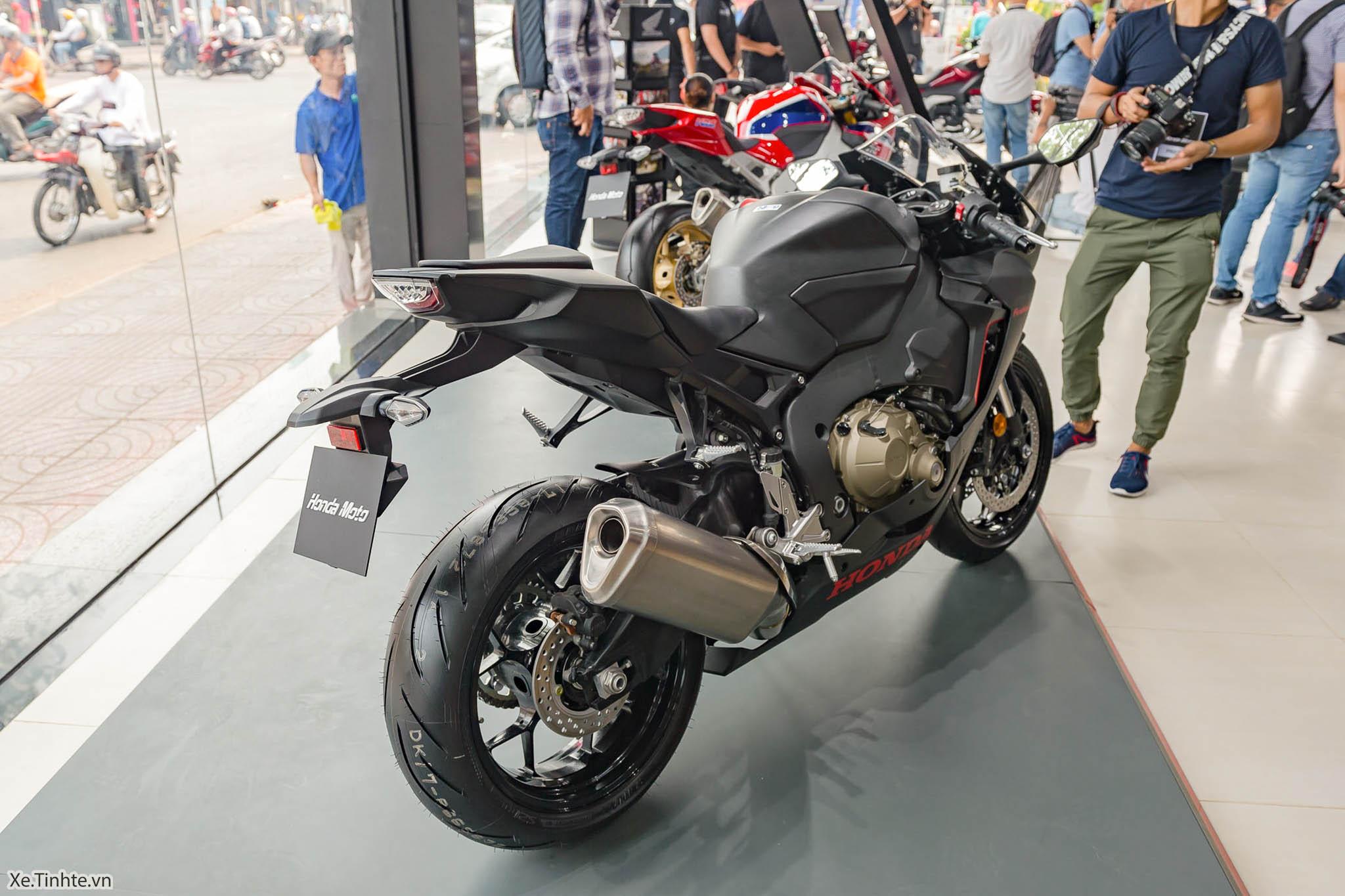 Honda_moto_Honda_CBR1000RR_Xe_Tinhte (1).JPG
