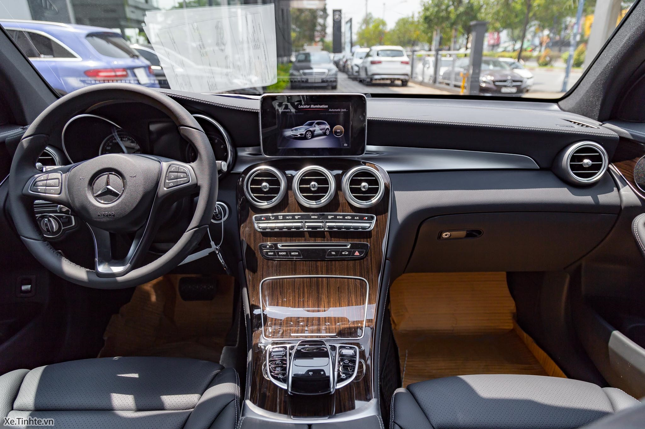 Mercedes_Benz_GLC_Class_2018_Xe_Tinhte-IMG_0757.jpg