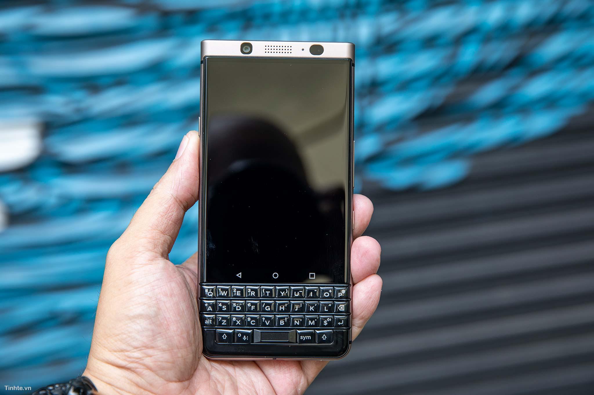 BlackBerry_KeyOne6.jpg