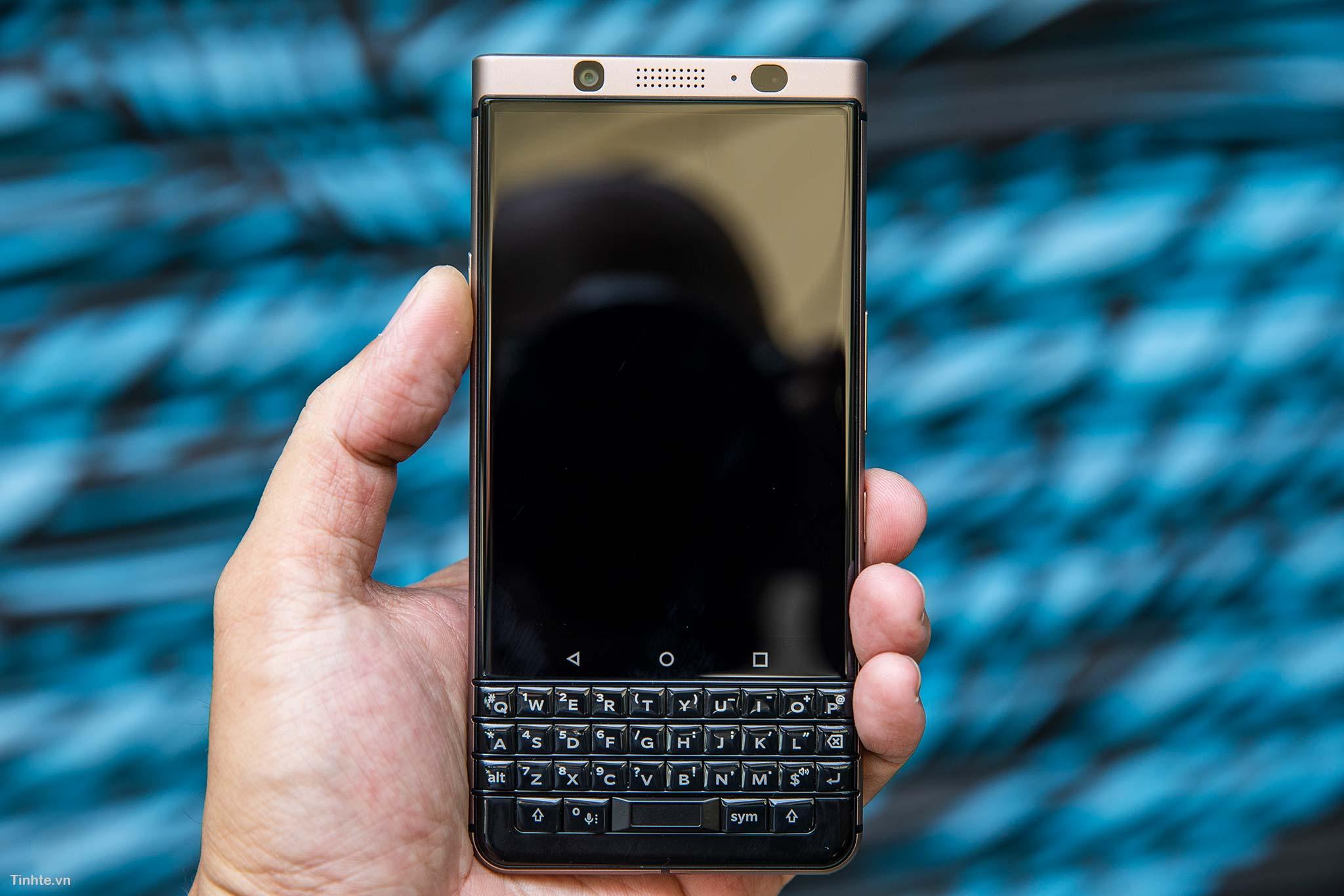BlackBerry_KeyOne9.jpg