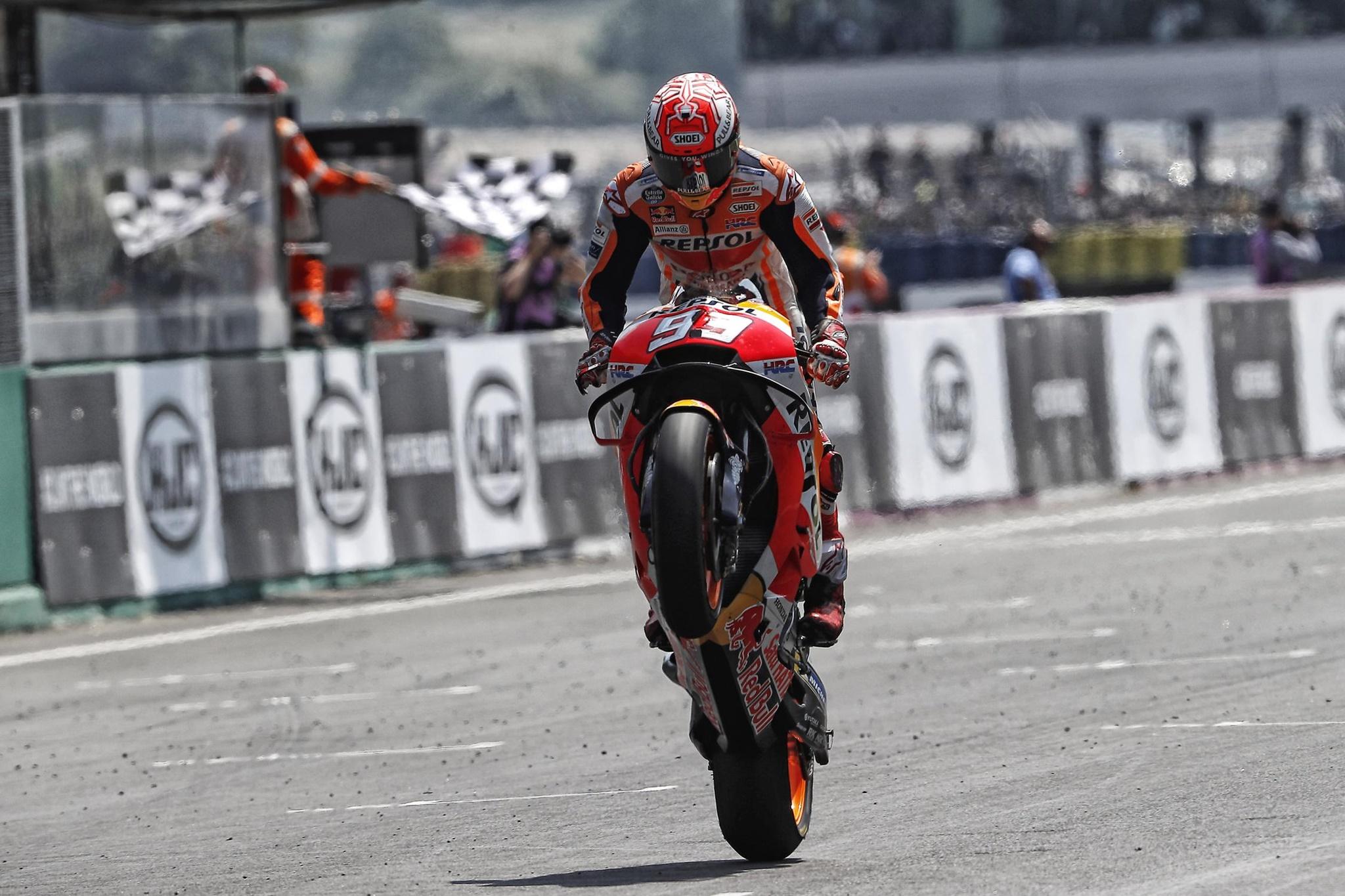 Moto_GP_18_Le_Mans_2018_Xe_Tinhte-007.jpg