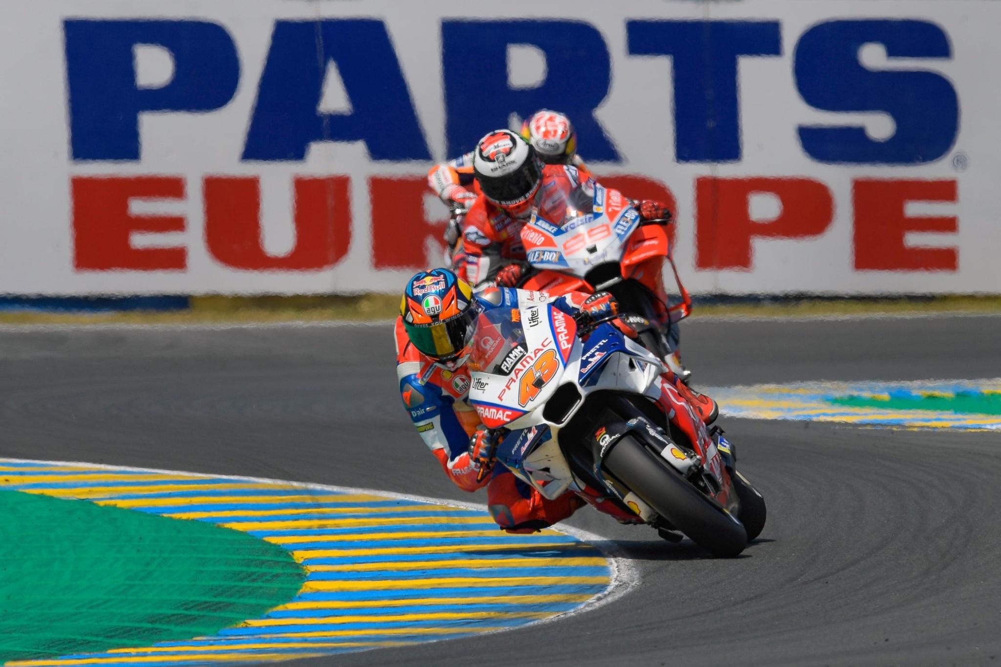 Moto_GP_18_Le_Mans_2018_Xe_Tinhte-018.jpg
