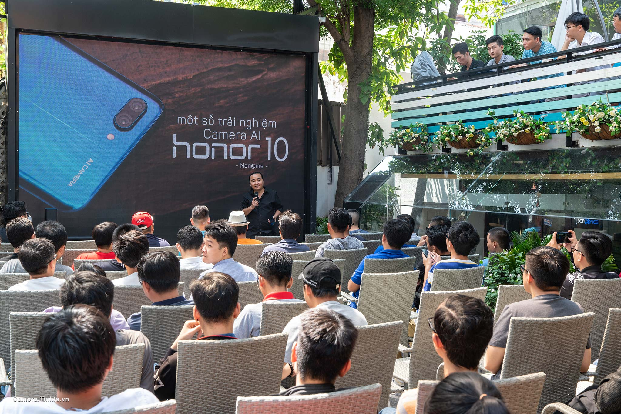 Camera.Tinhte.vn_Offline-trai-nghiem-Honor10_DSC03425.jpg