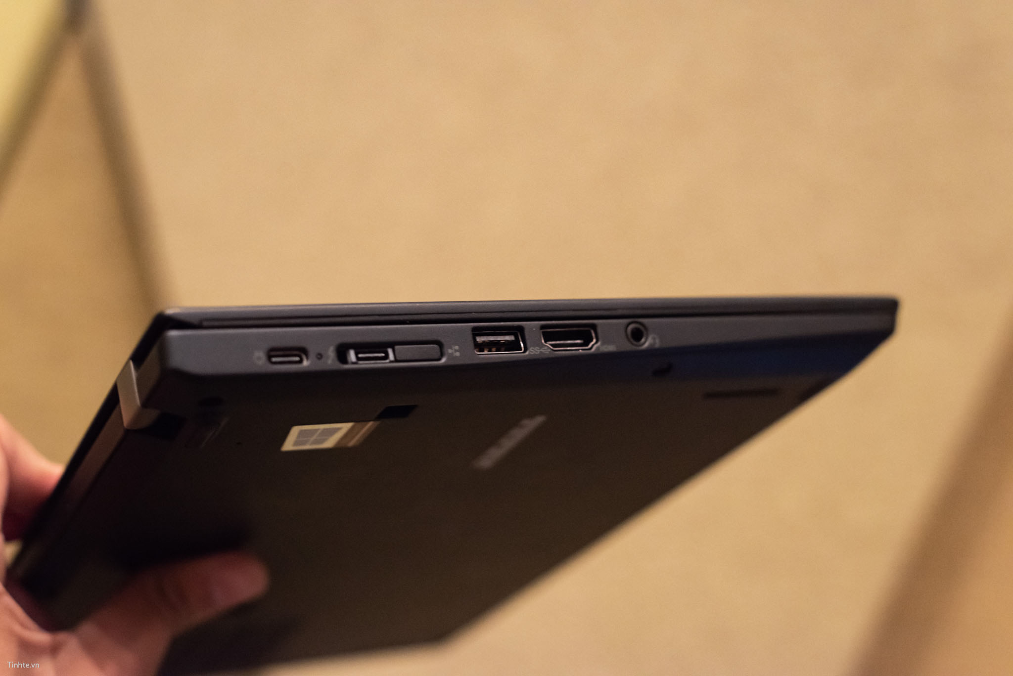 Tinhte.vn_Lenovo_ThinkPad_2018-8.jpg