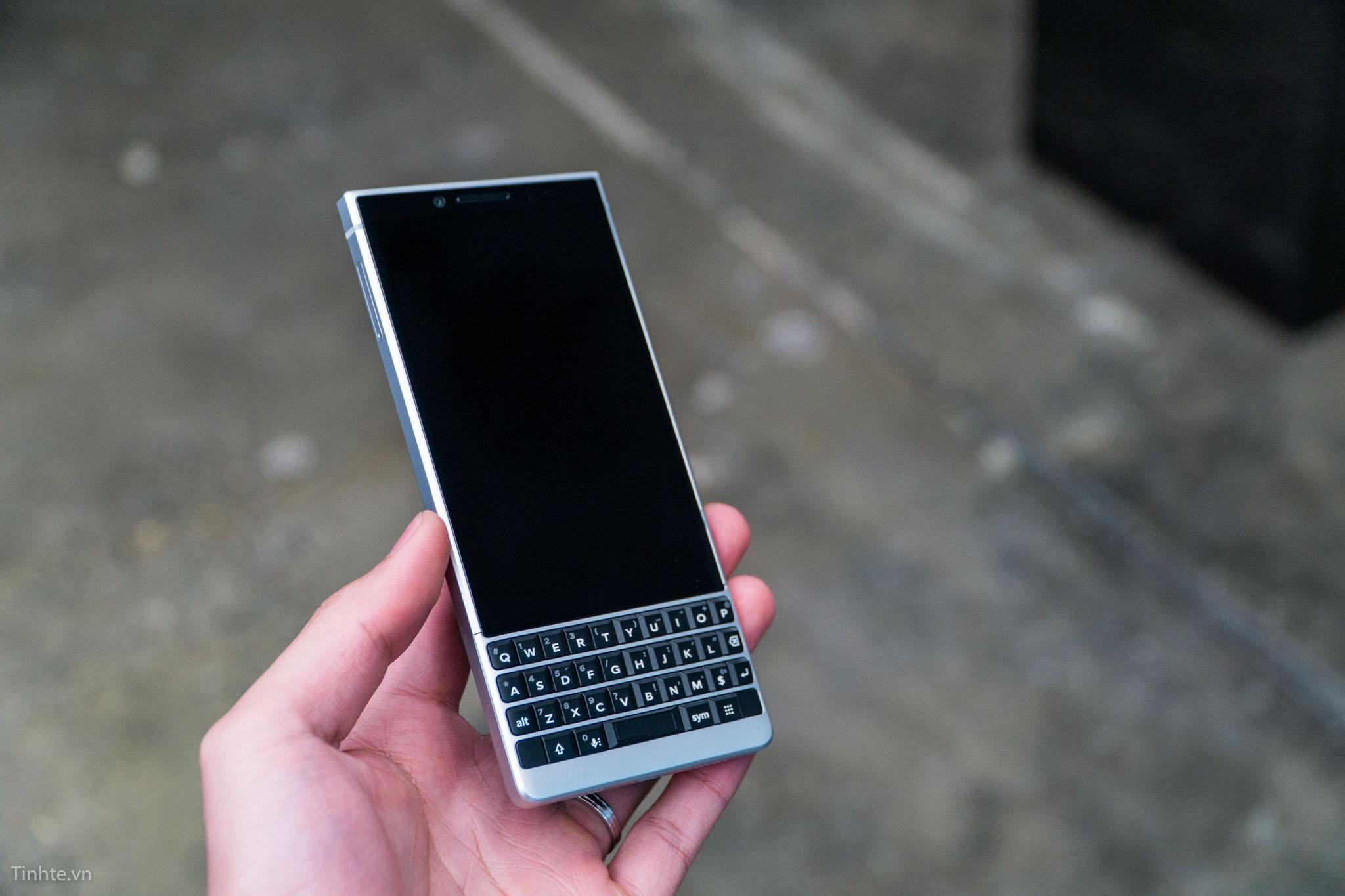 tinhte_blackberry_key2-32.jpg