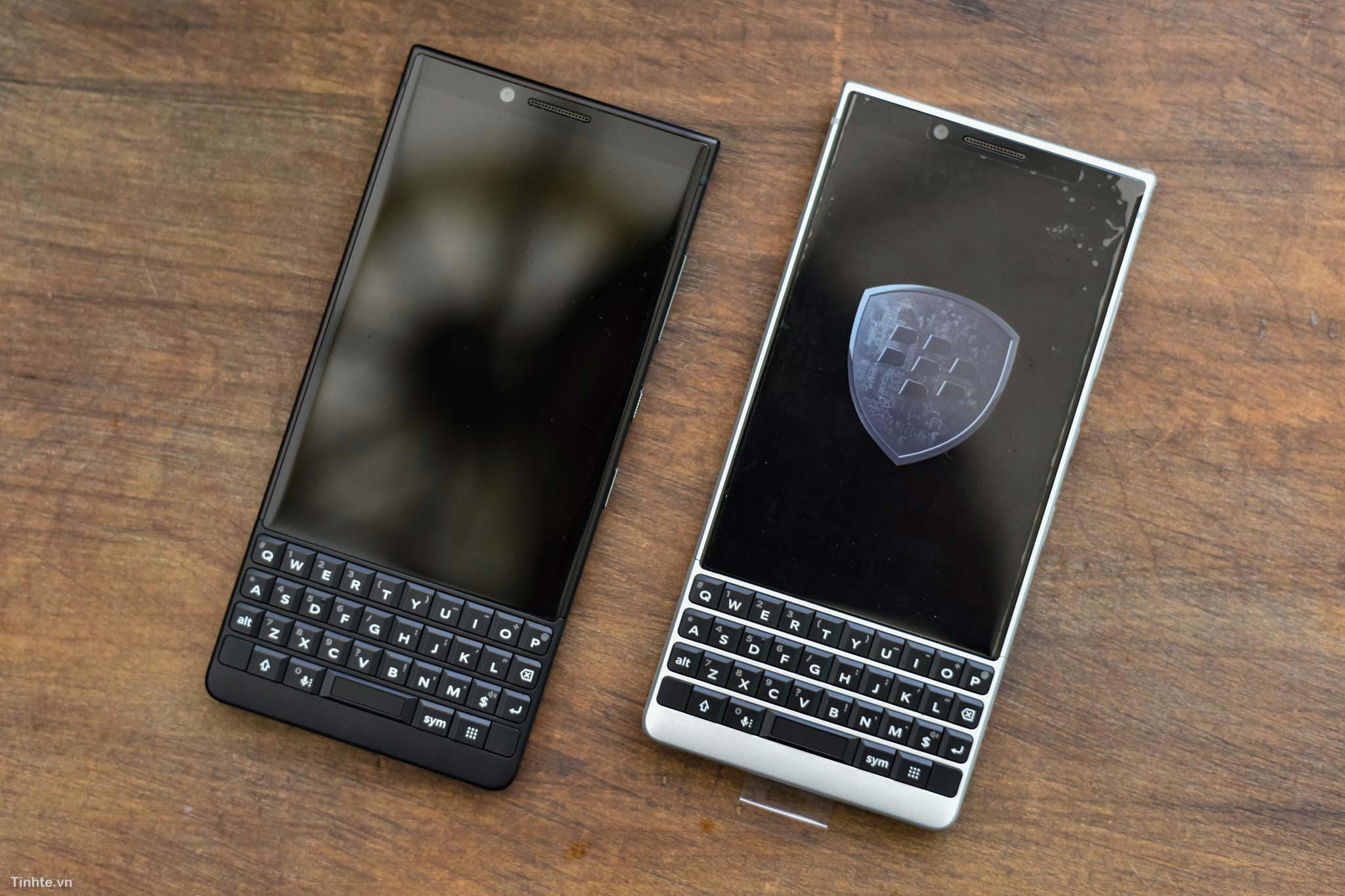 BlackBerry_KEY2_mo-hop_tinhte_1.jpg