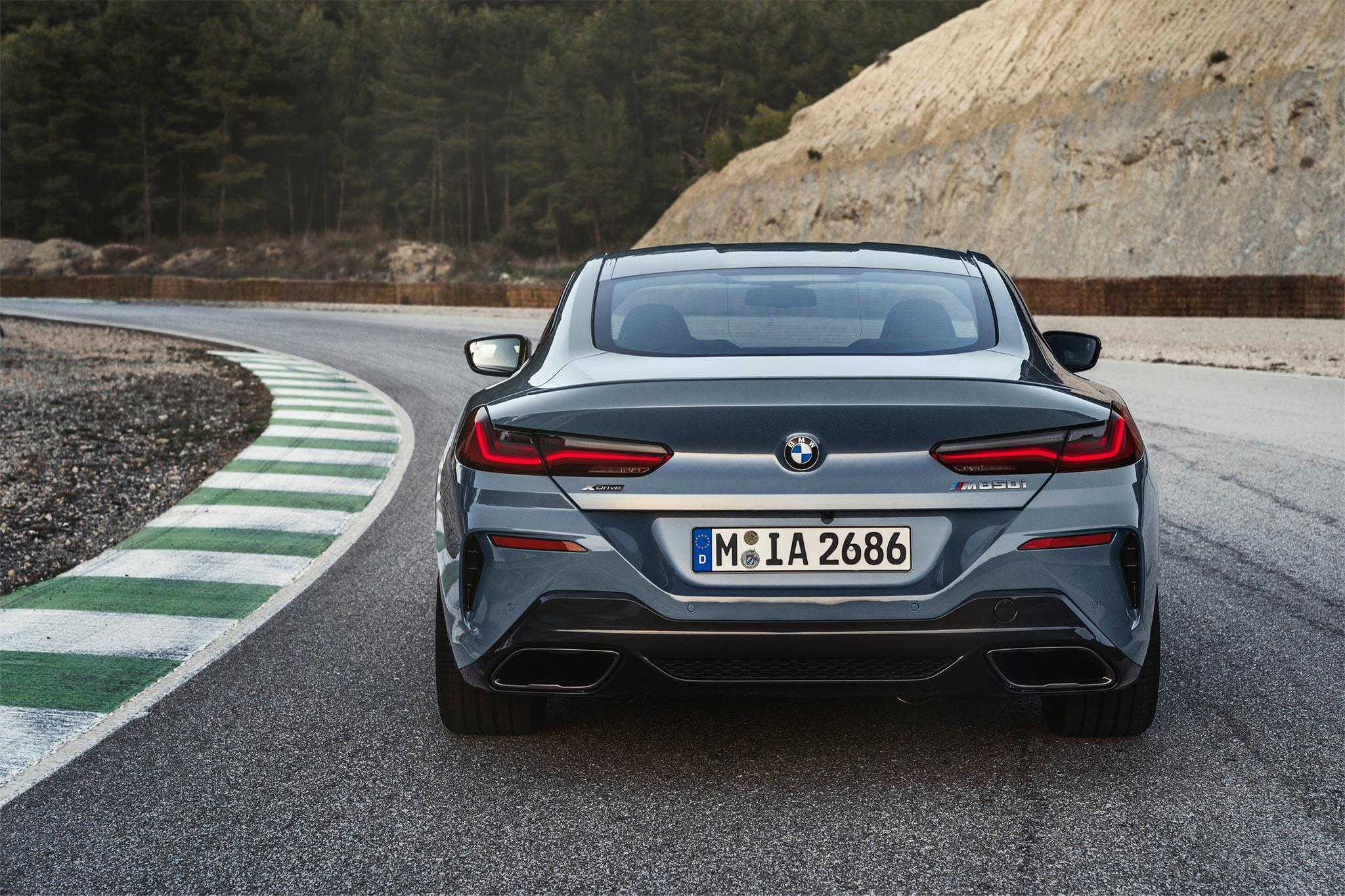 _duoi_BMW_8-series.jpg
