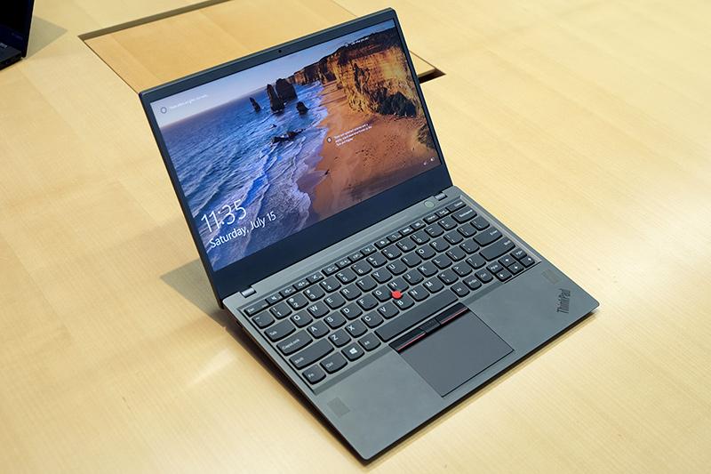 ThinkPad_X1_Carbon_proto_2.jpg