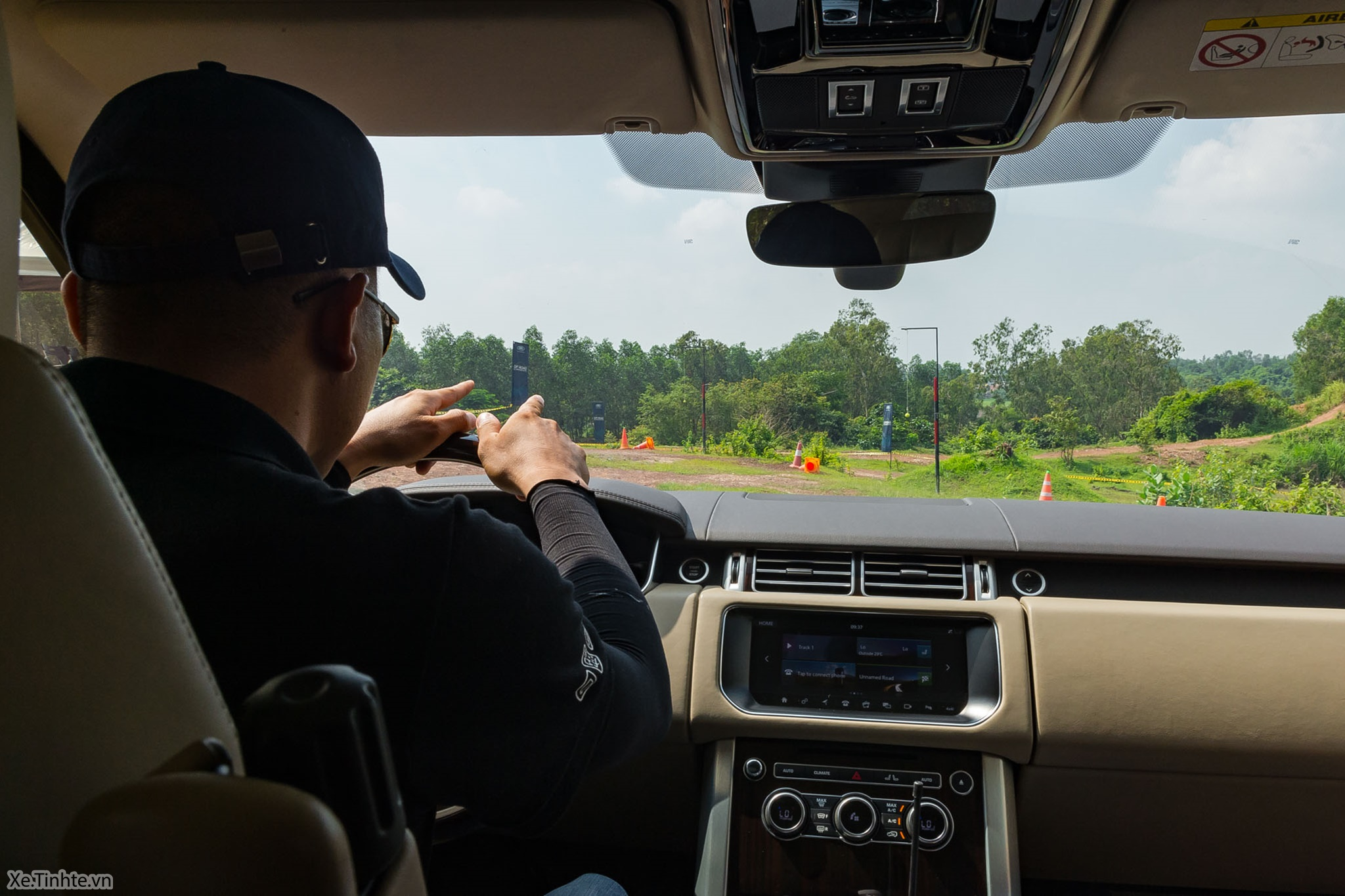 Land_Rover_Off-road_Experience _2018_Xe_Tinhte-004.jpg