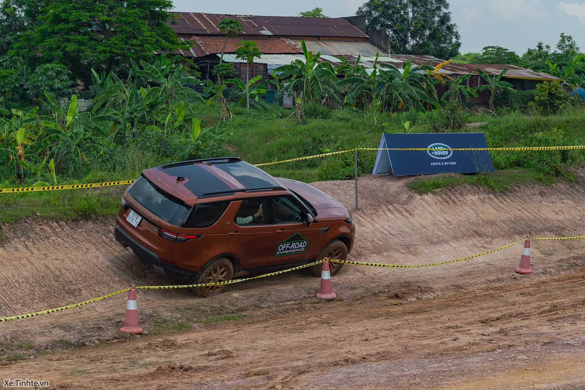 Land_Rover_Off-road_Experience _2018_Xe_Tinhte-015.jpg
