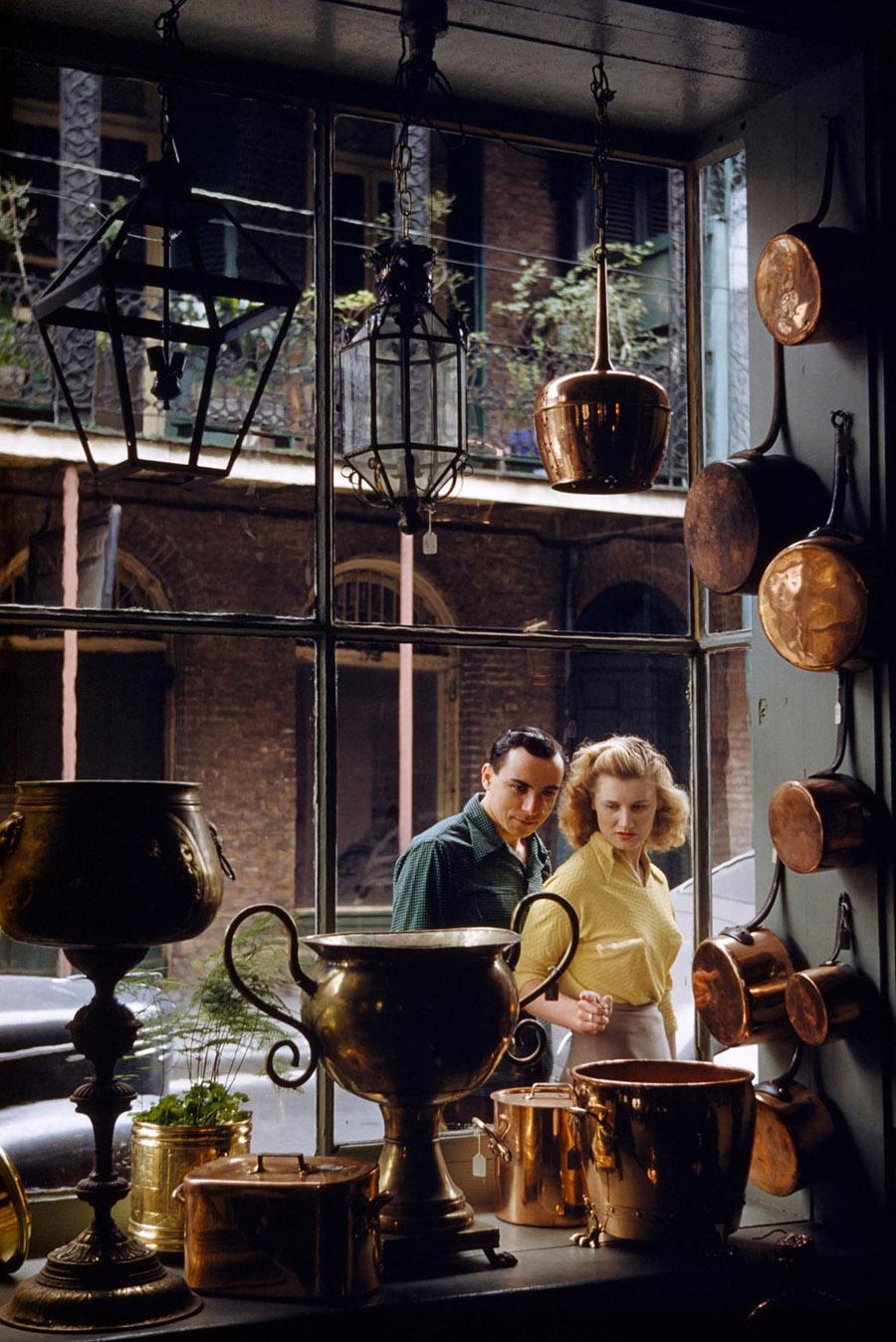 41-new-orleans-window-shopping-romance.adapt.1190.1.jpg