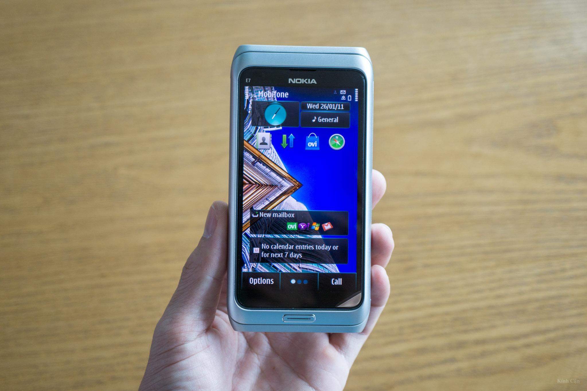 Nokia E7-37.jpg