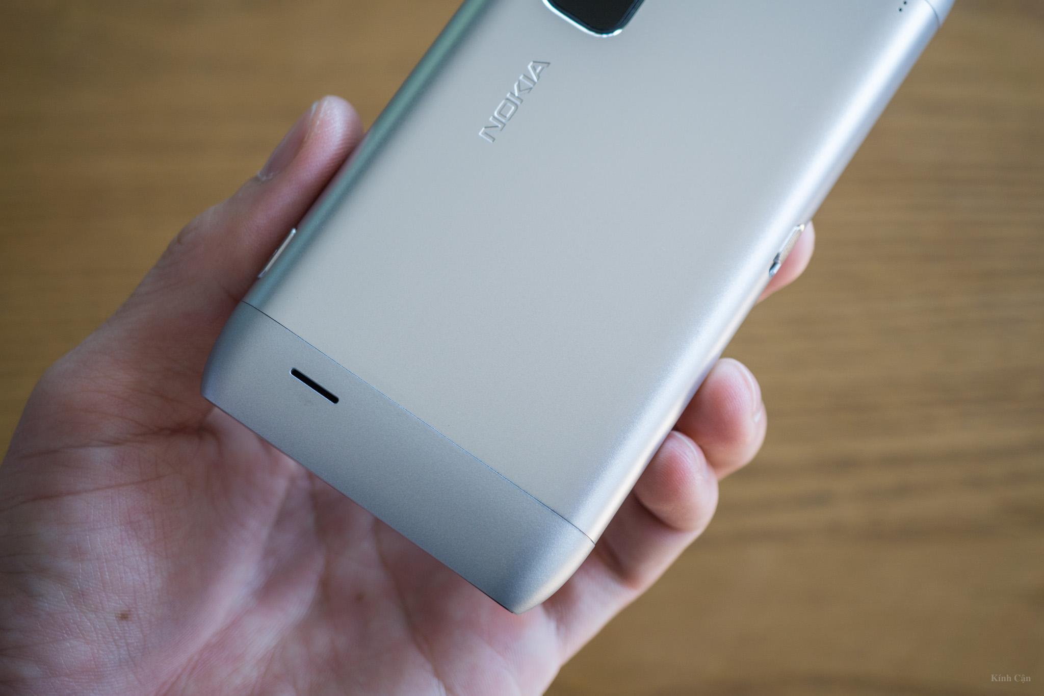 Nokia E7-56.jpg