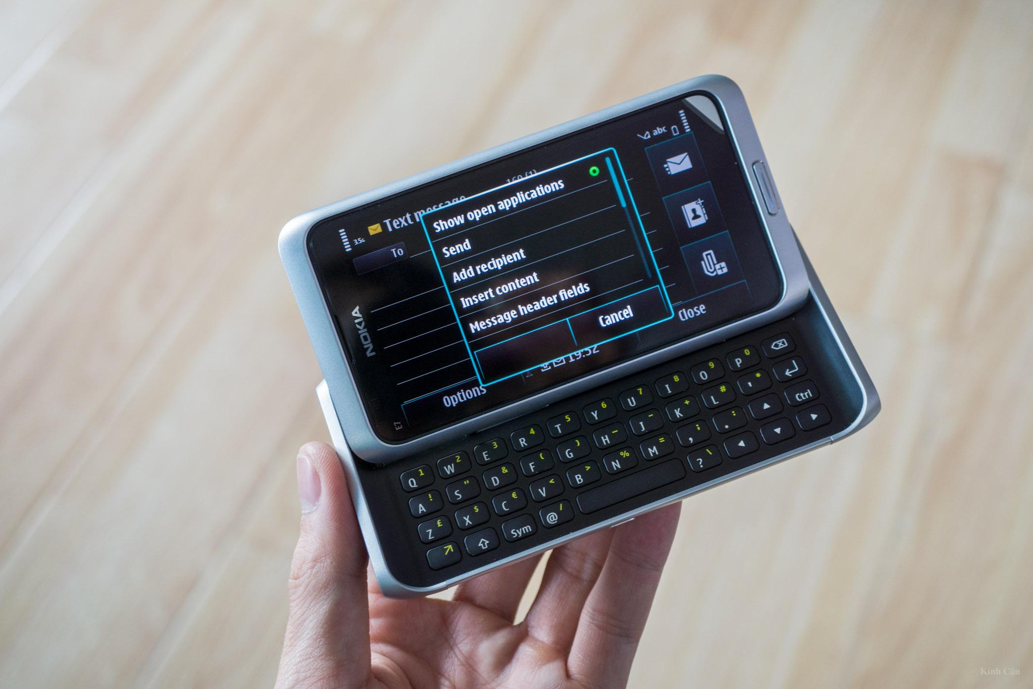 Nokia E7-75.jpg