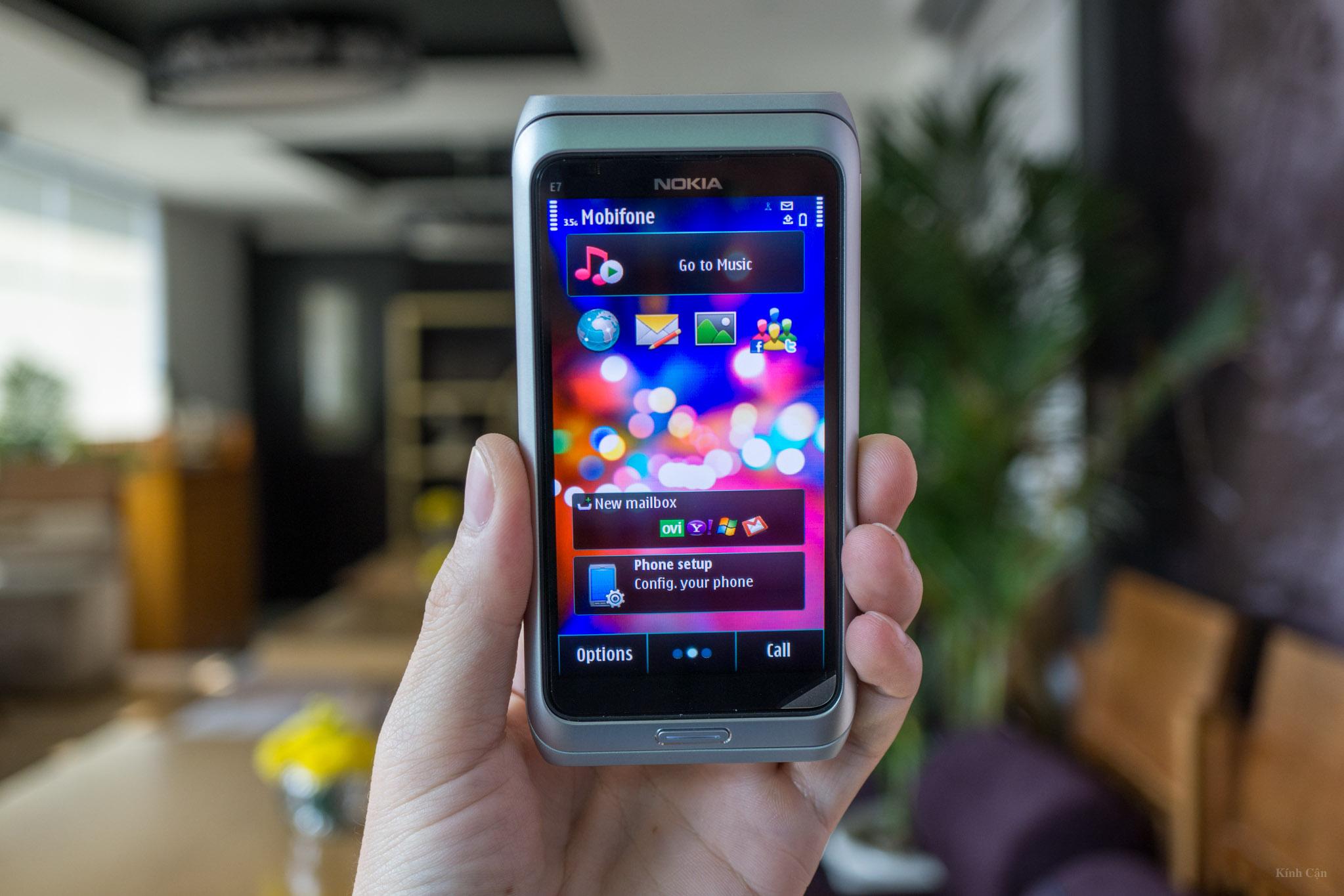 Nokia E7-76.jpg