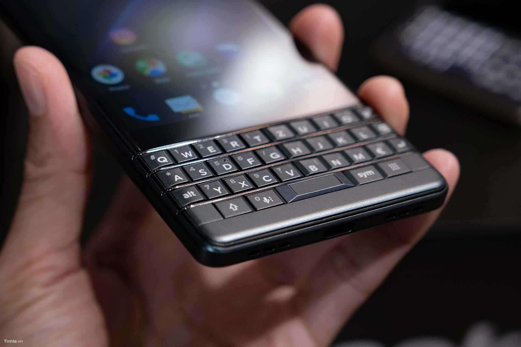 BlackBerry_Key2LTE-7.jpg