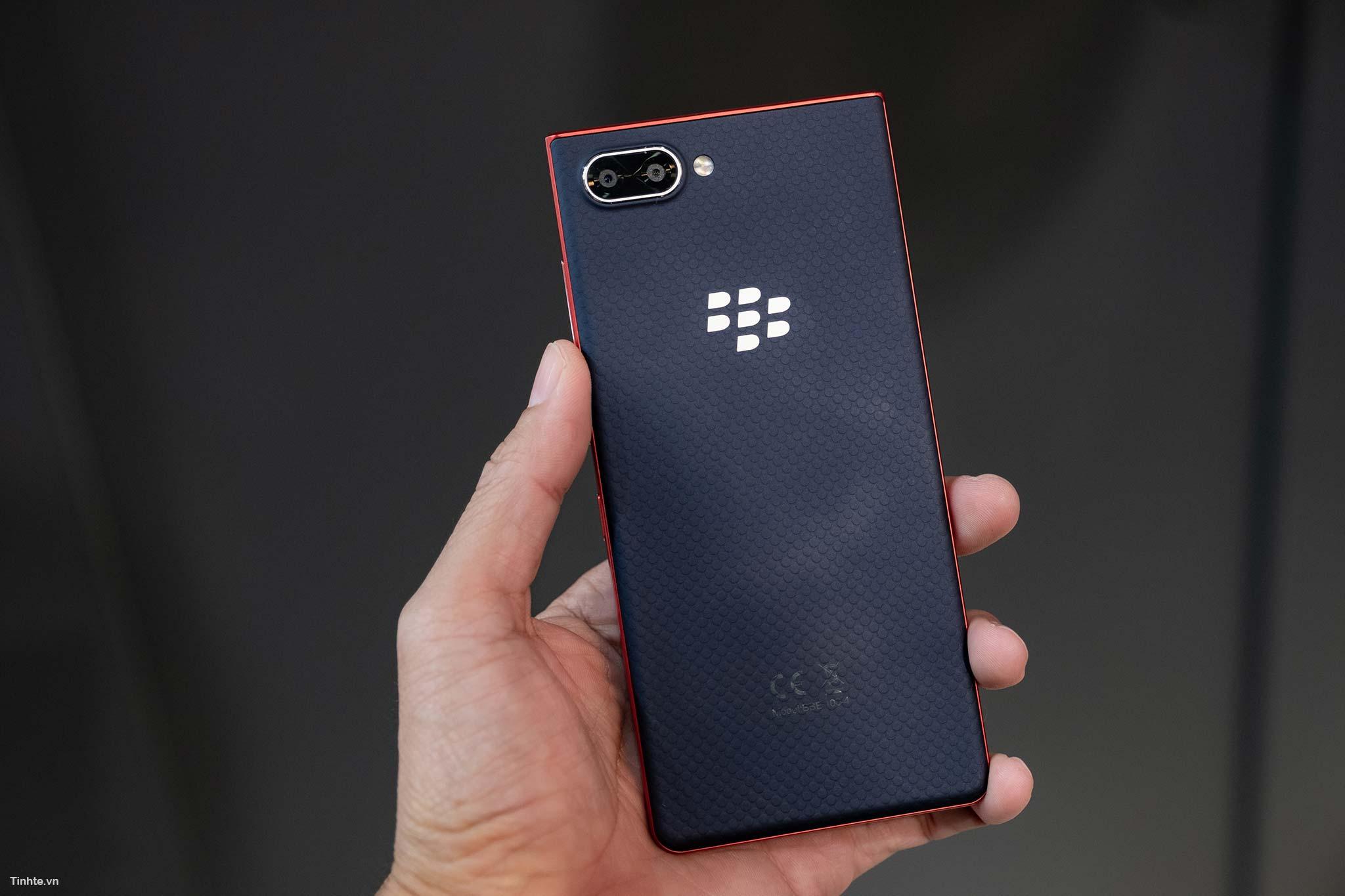 BlackBerry_Key2LTE-11.jpg