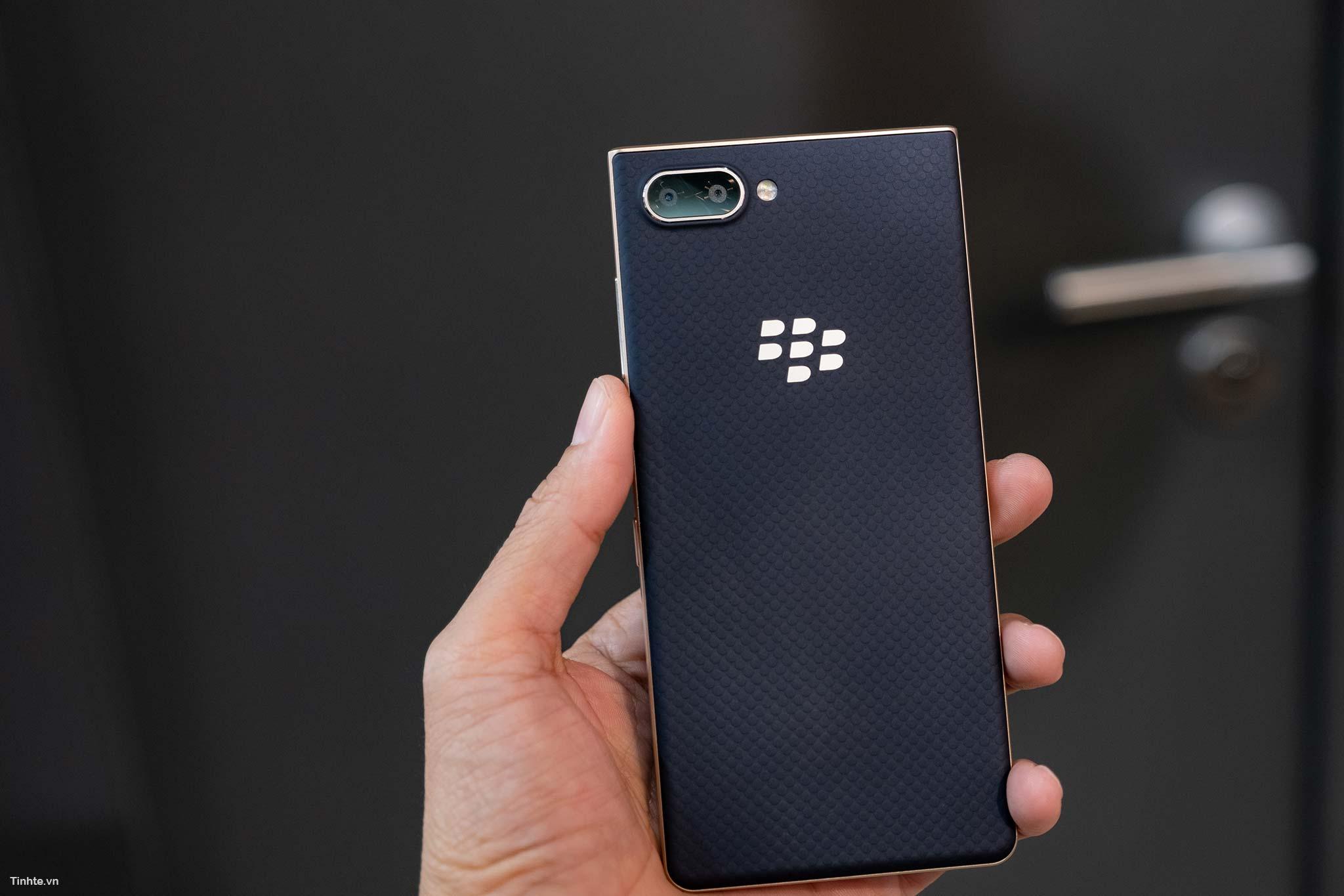BlackBerry_Key2LTE-24.jpg