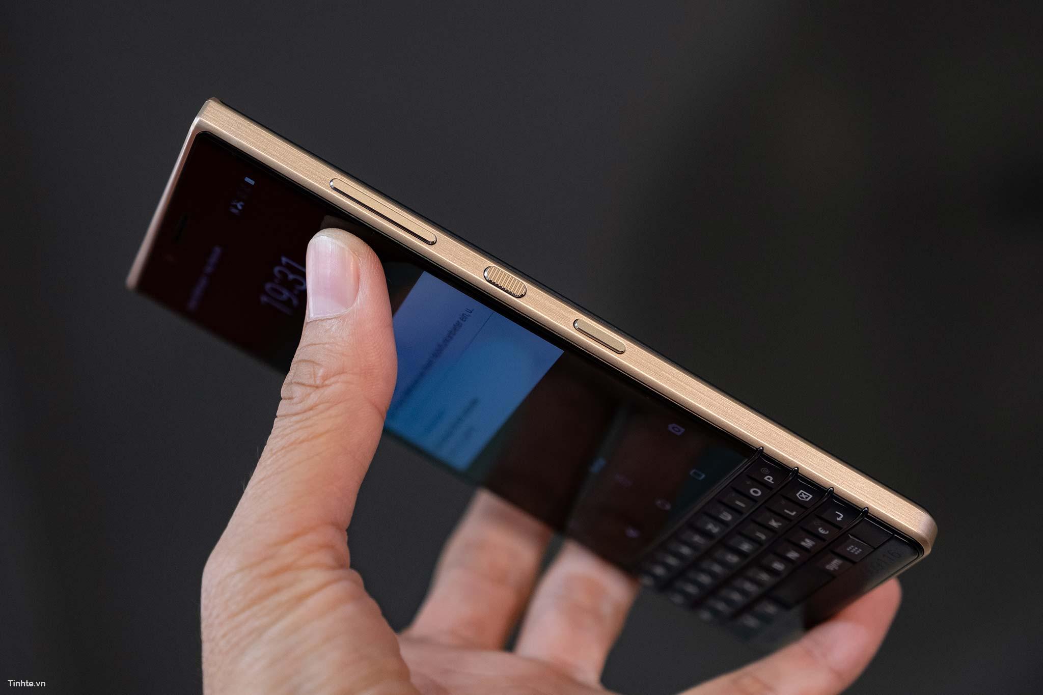 BlackBerry_Key2LTE-27.jpg