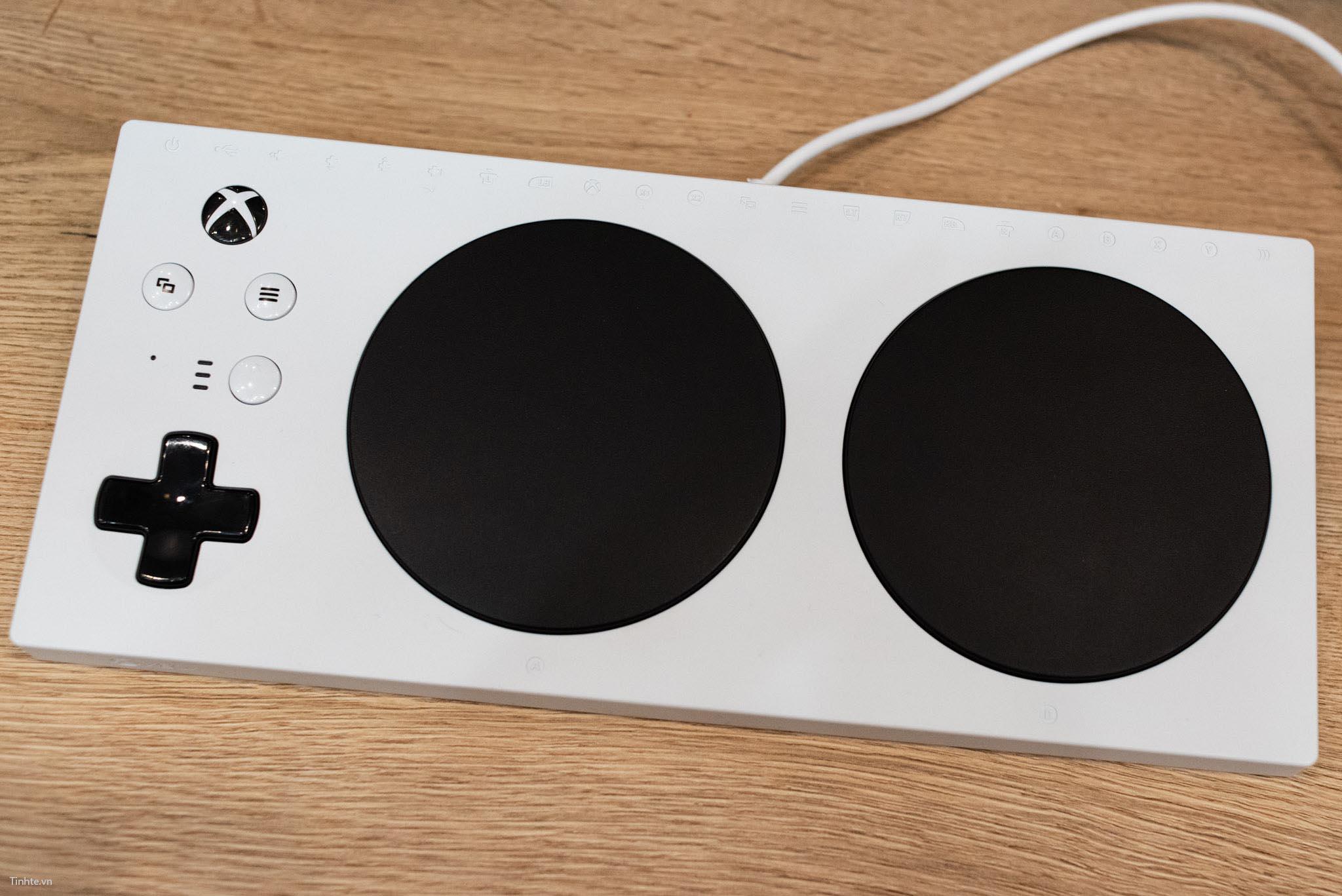 Tinhte.vn_XboxAdaptiveController-1.jpg