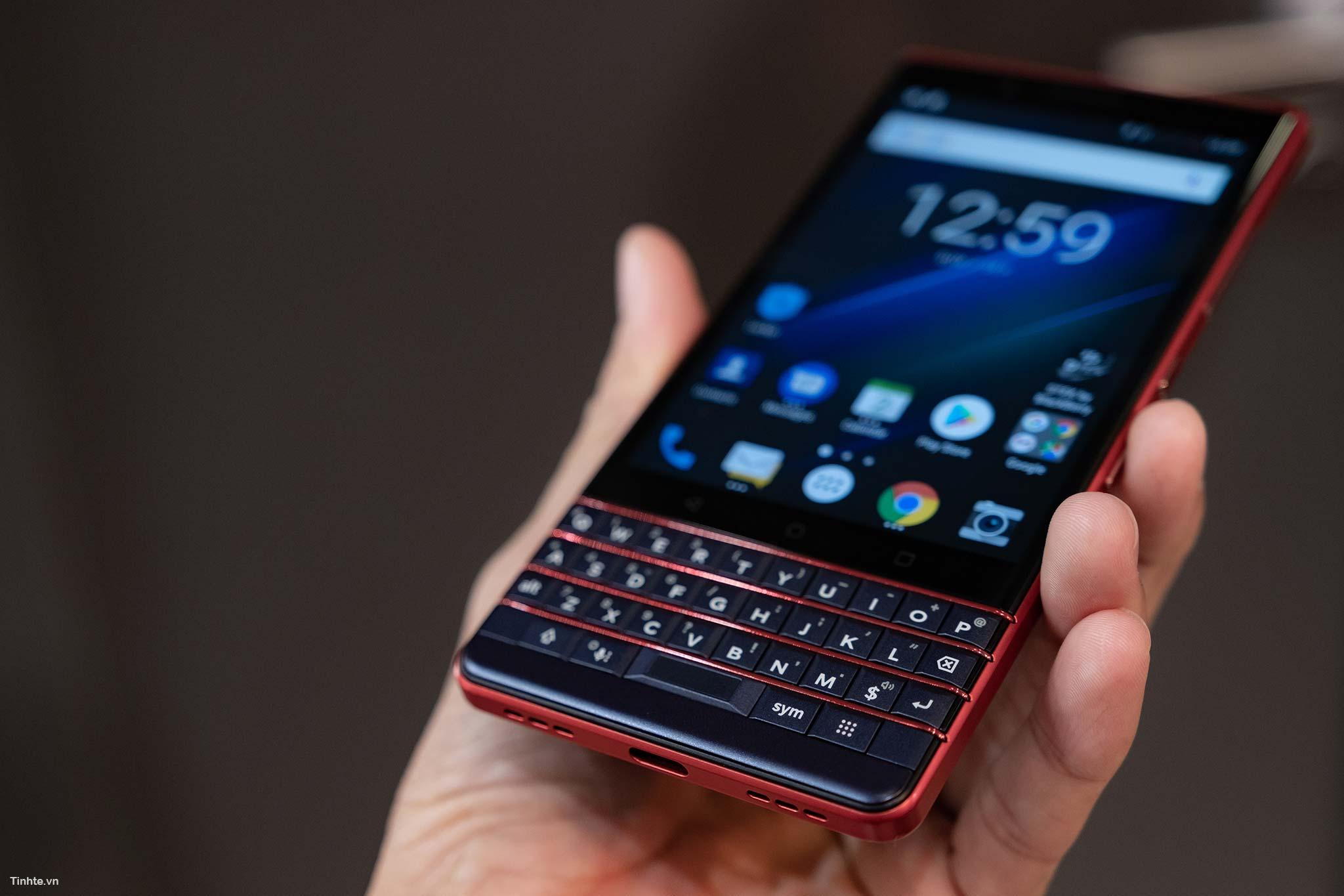 4415602_BlackBerry_Key2LTE-17.jpg