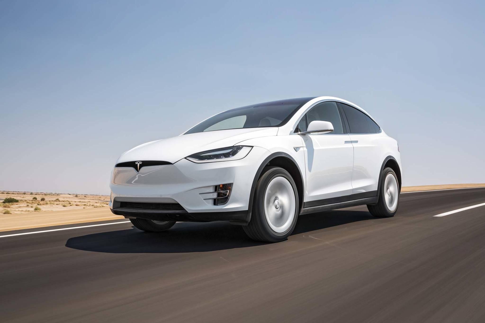 Tesla-Model-X-75-D-Xe-Tinhte (4).jpg