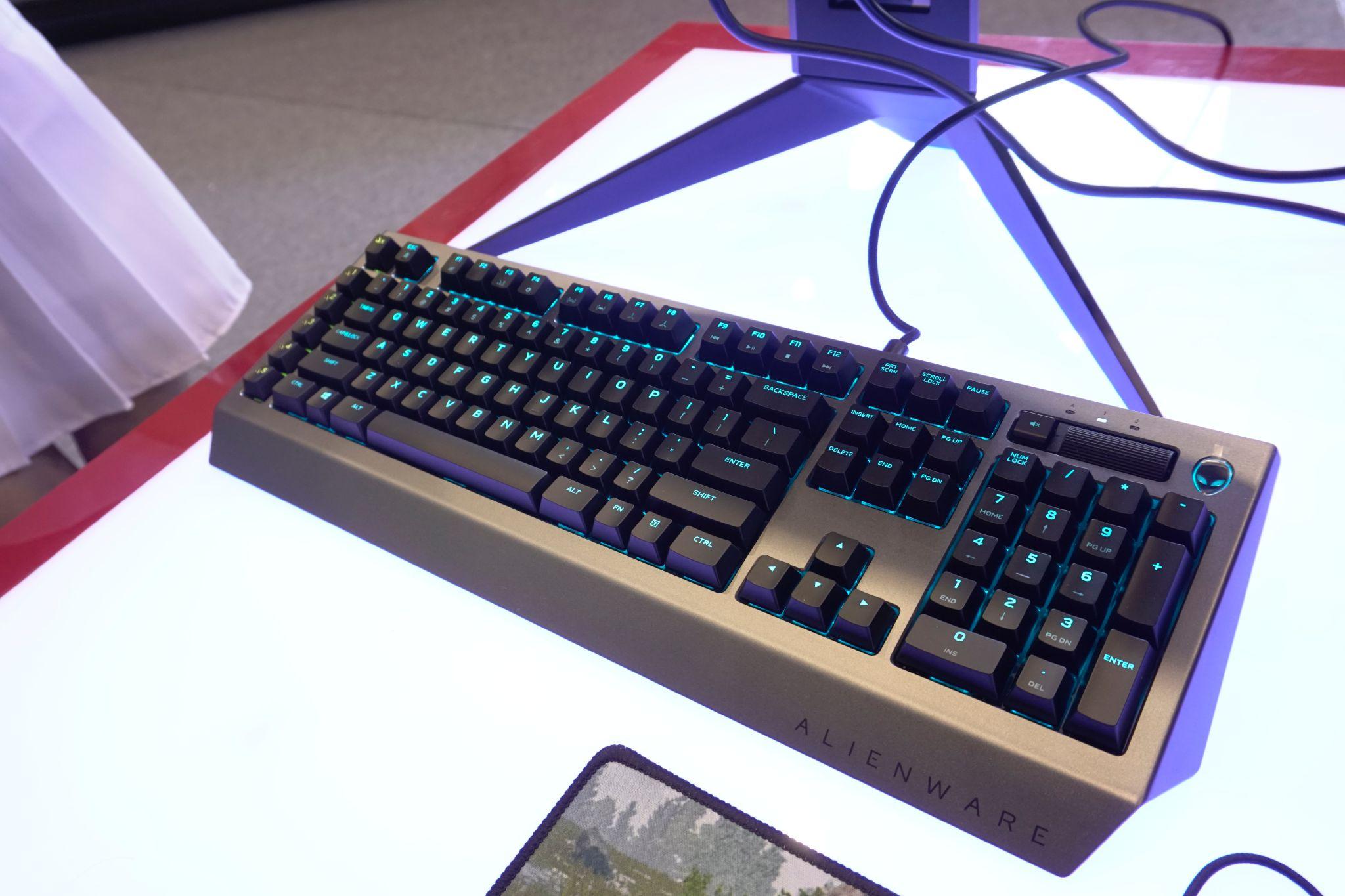 tinhte_alien_keyboard.JPG