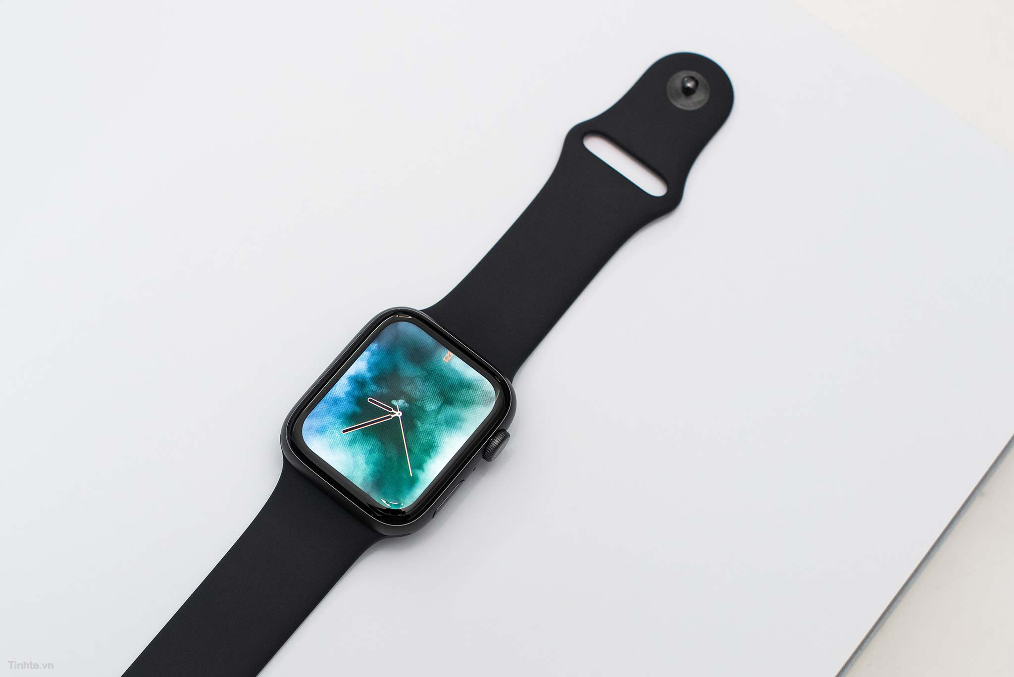 tinhte_tren_tay_apple_watch_series_4_17.jpg