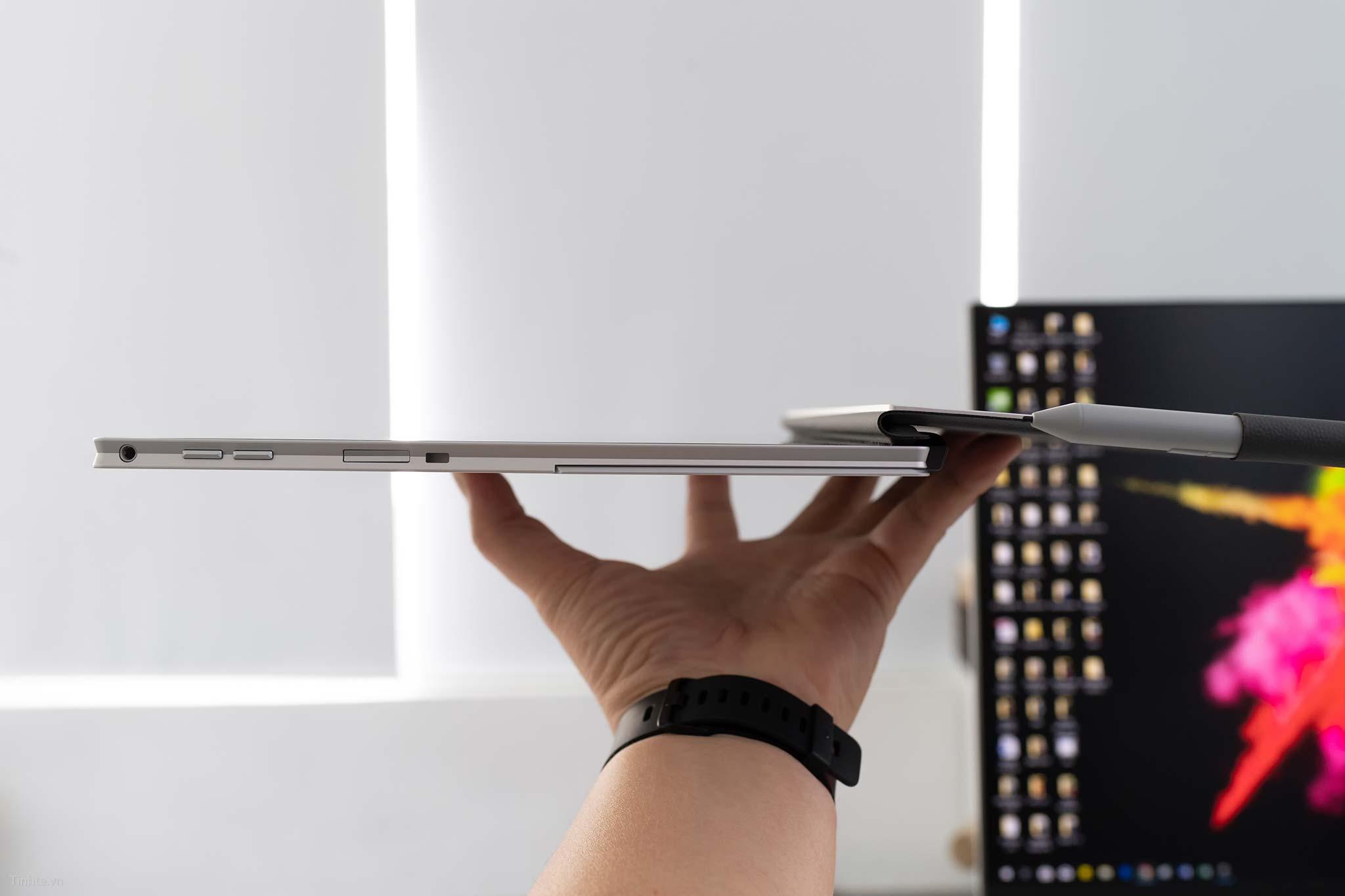 HP Elite x2 1030 G3_3.jpg