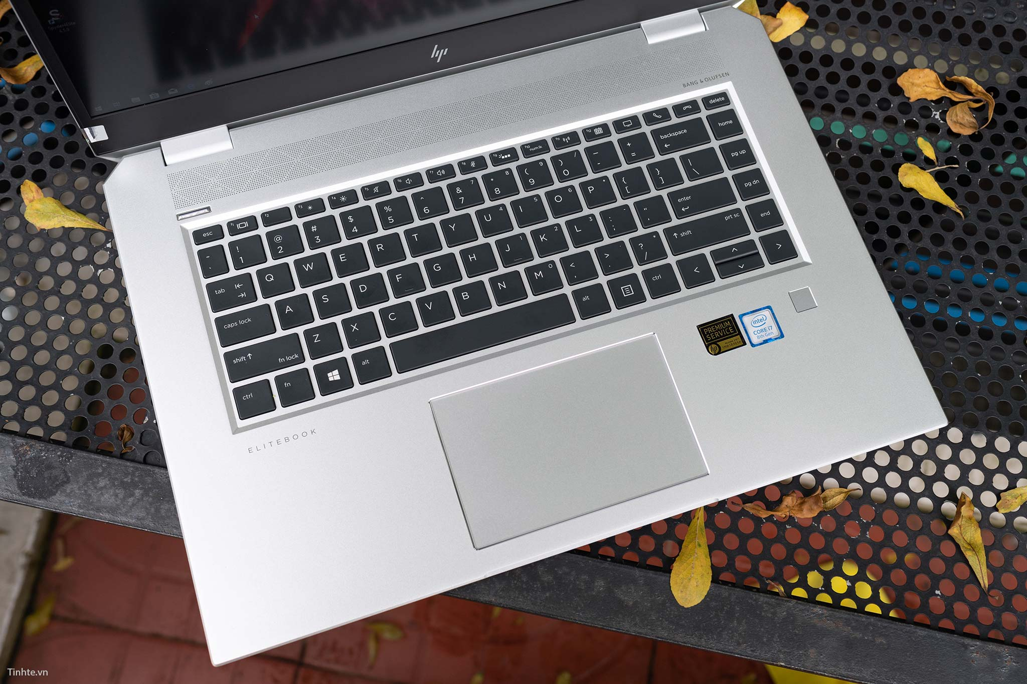 HP Elitebook 1050 G1 (5).jpg