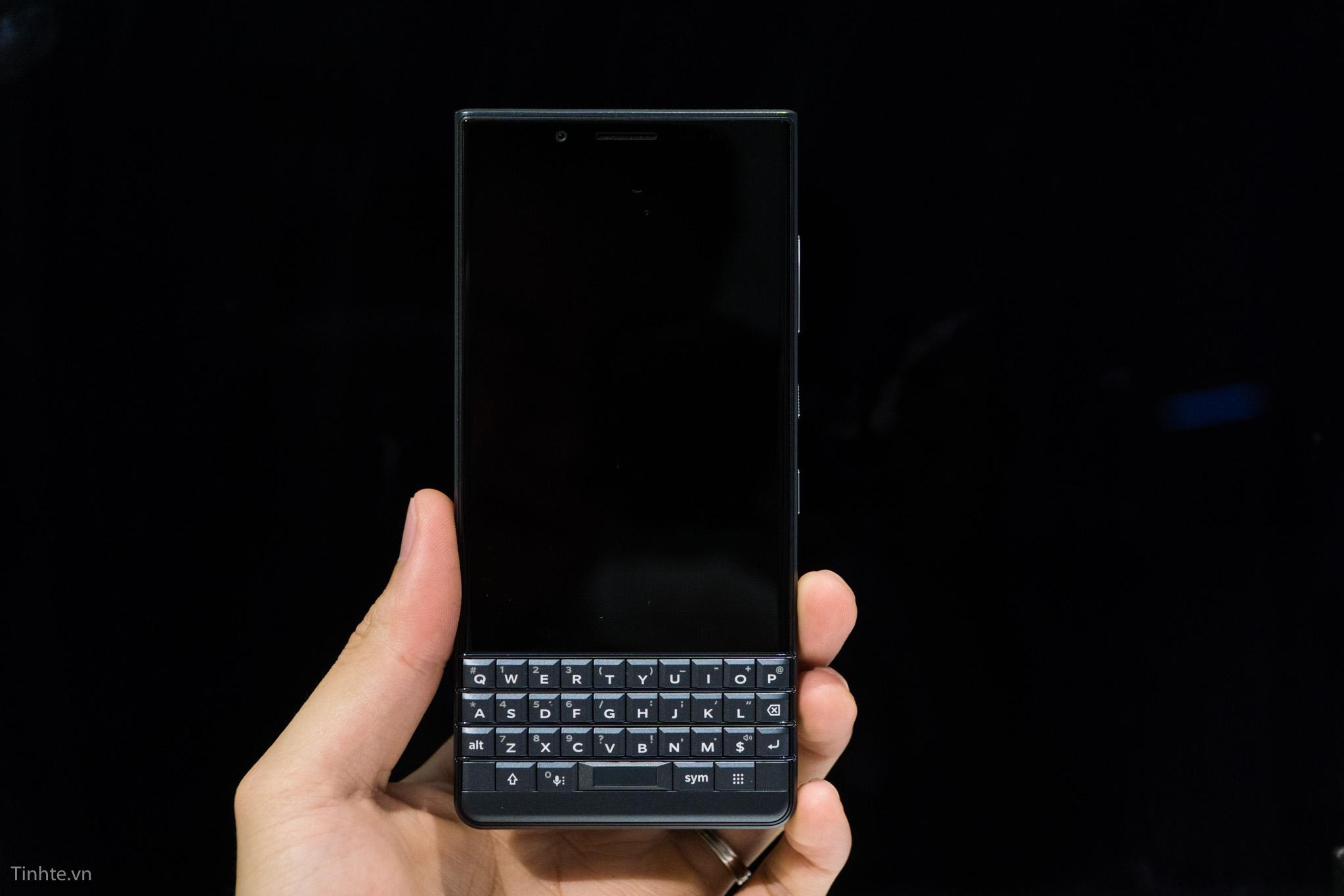 tinhte_blackberry_key2_le-12.jpg