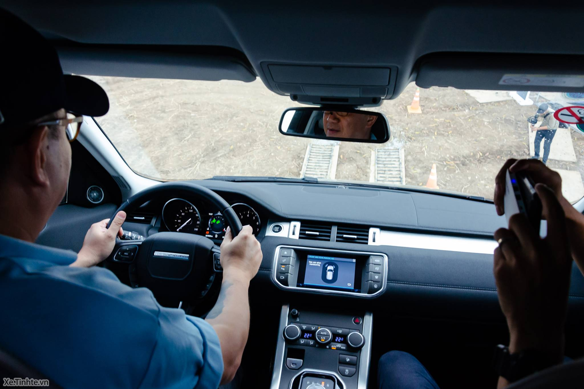 Land_Rover_Above_and_Beyond_Xe_Tinhte_034.jpg