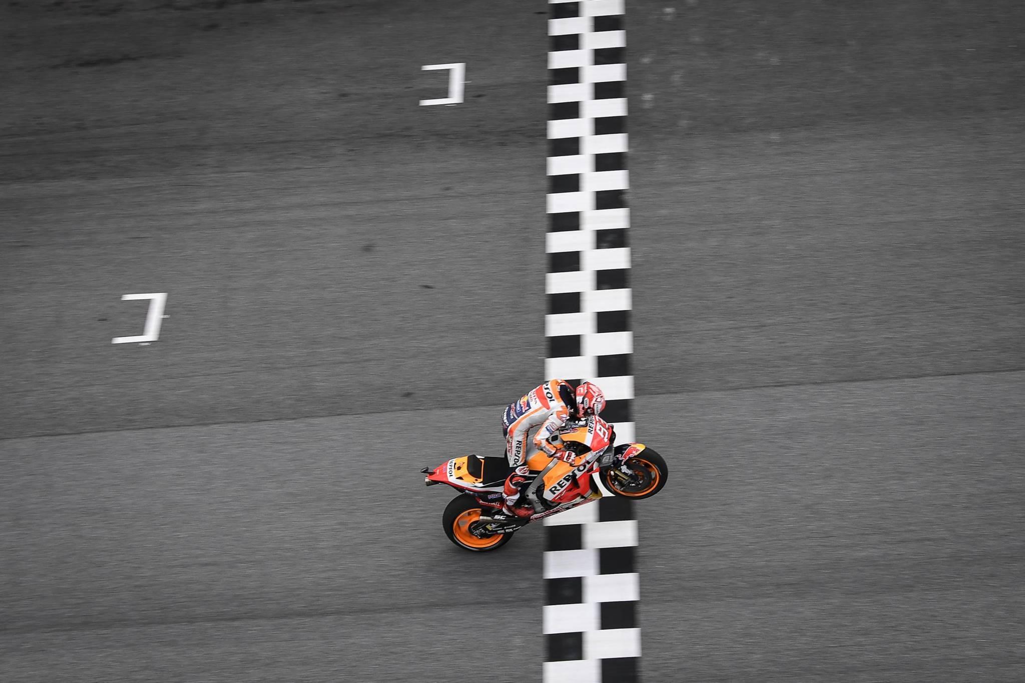 MotoGP_MalaysianGP_2018_Xe_Tinhte_009.jpg